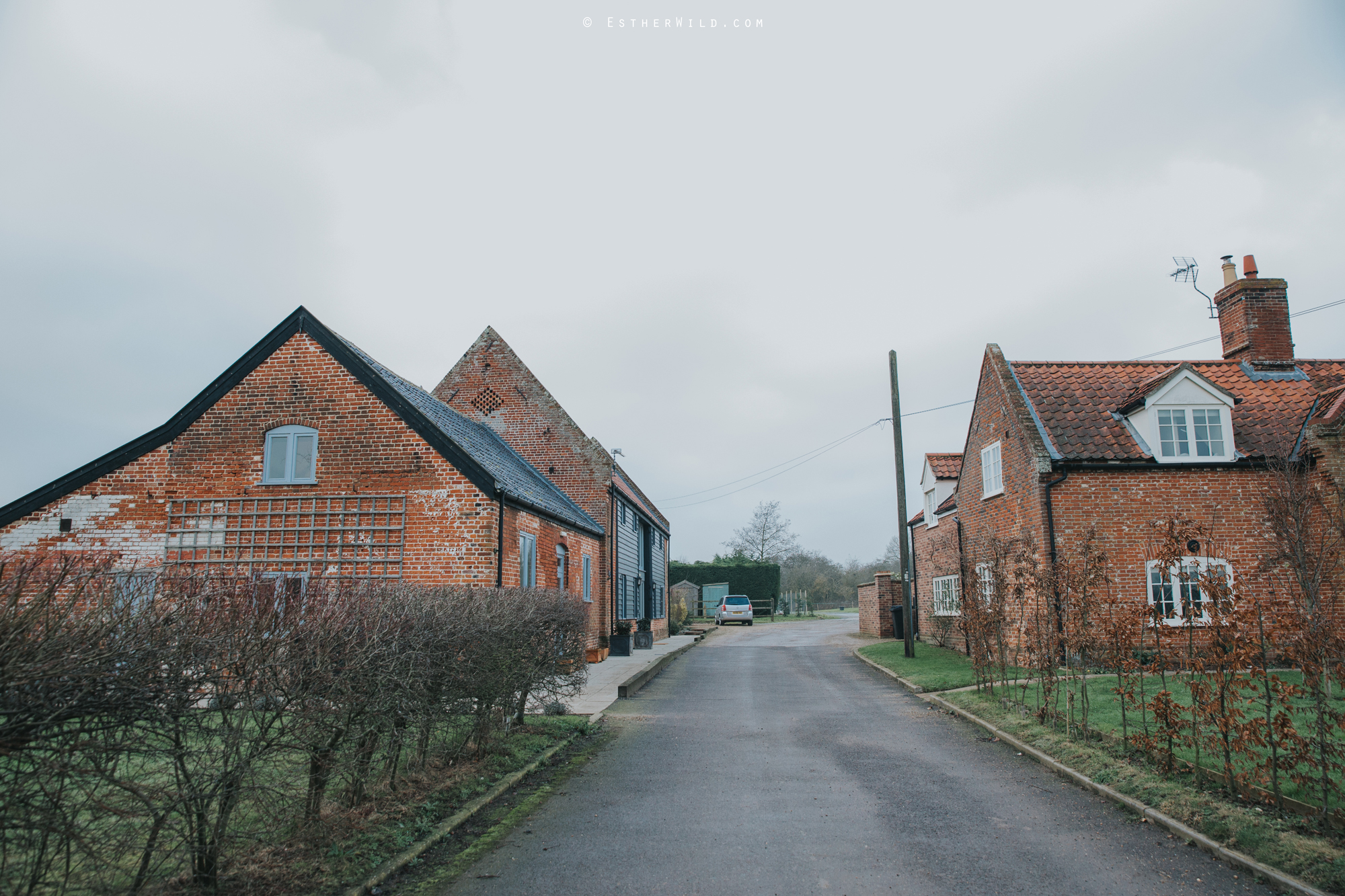 Elms_Barn_Weddings_Suffolk_Photographer_Copyright_Esther_Wild_IMG_0063.jpg