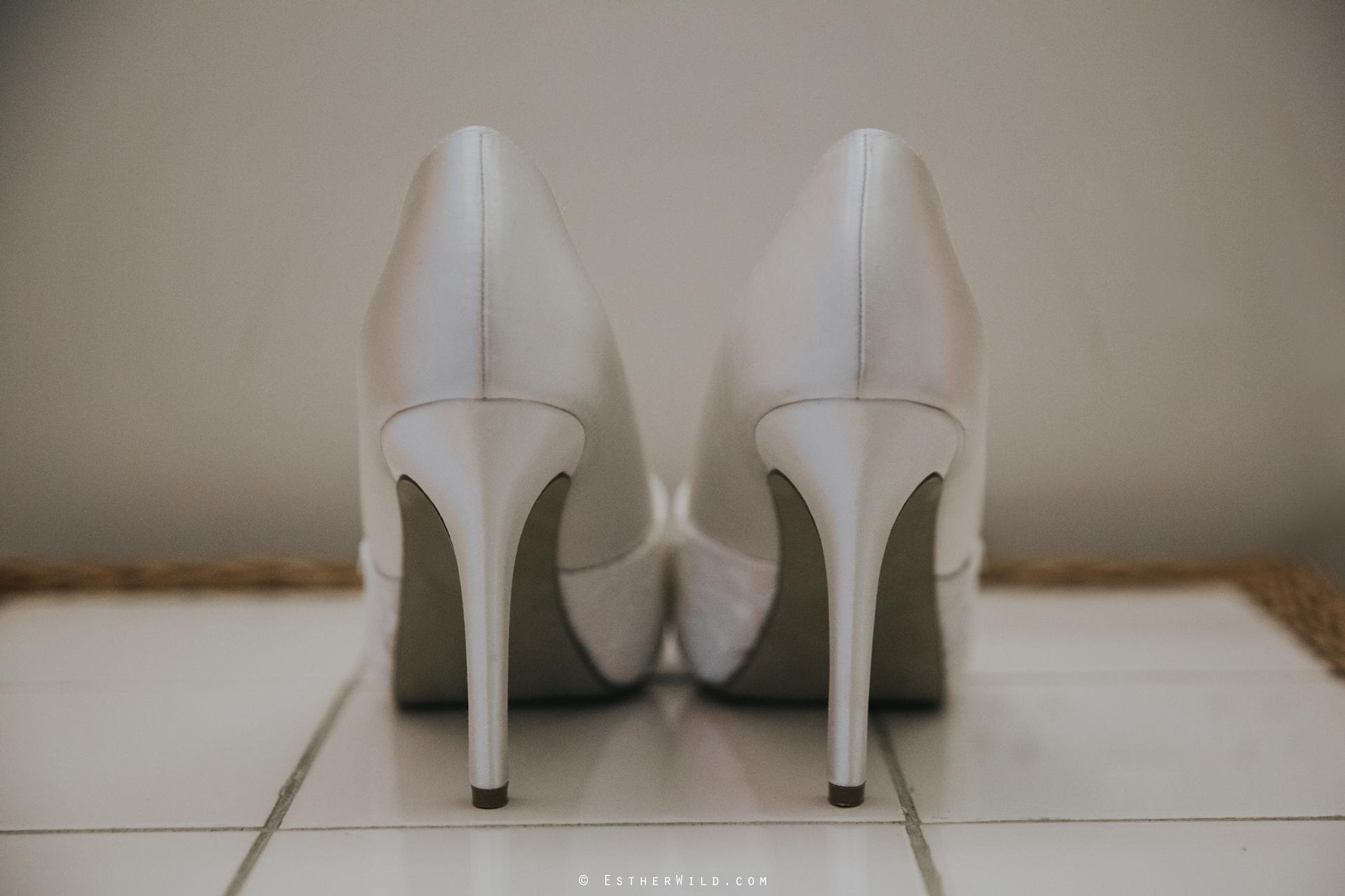 Elms_Barn_Weddings_Suffolk_Photographer_Copyright_Esther_Wild_IMG_0026.jpg