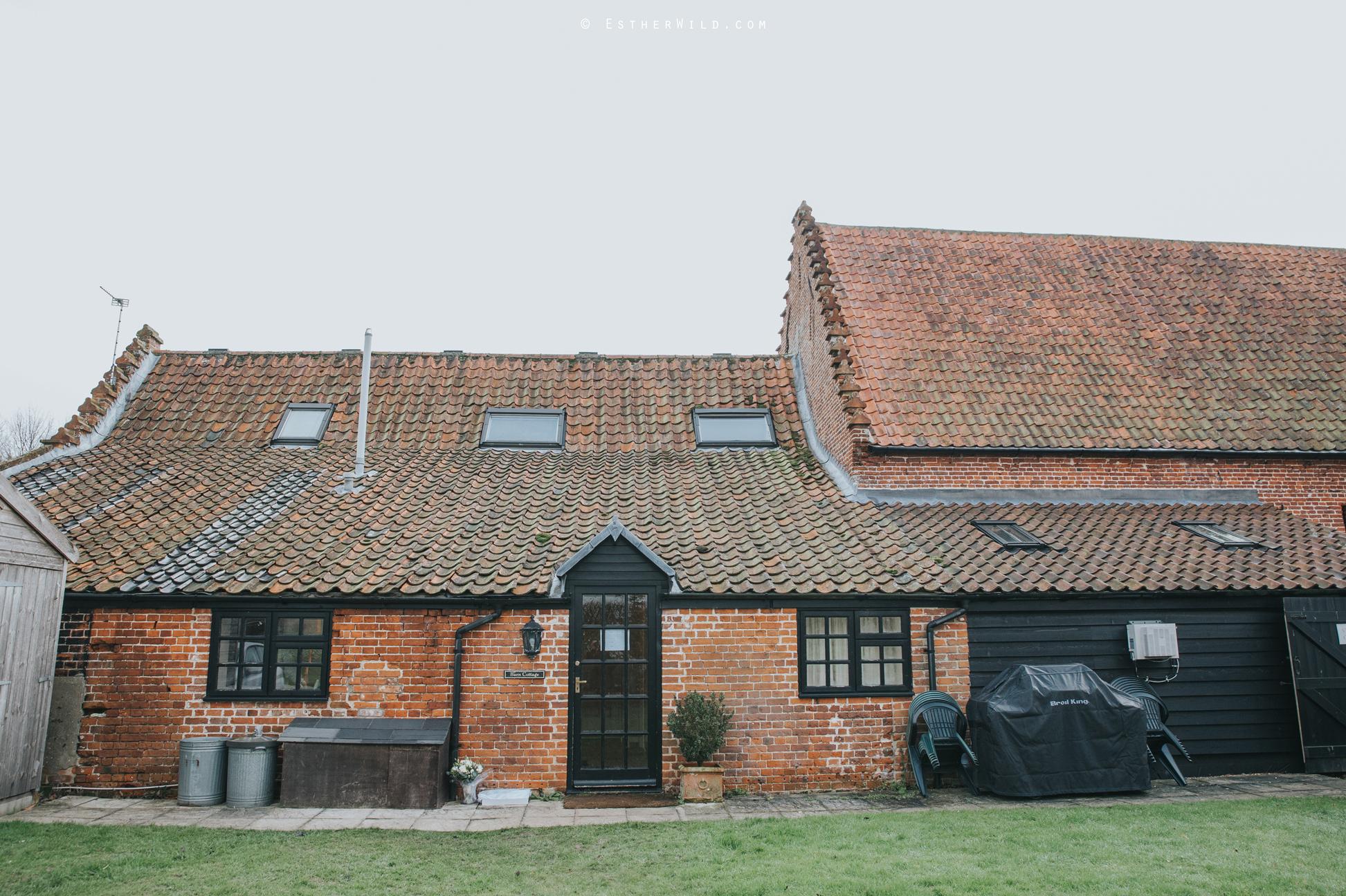 Elms_Barn_Weddings_Suffolk_Photographer_Copyright_Esther_Wild_IMG_0216.jpg