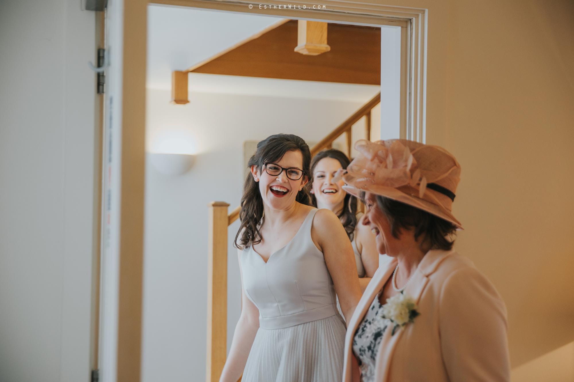Elms_Barn_Weddings_Suffolk_Photographer_Copyright_Esther_Wild_IMG_0563.jpg