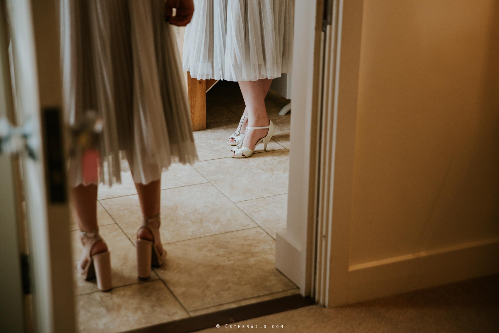 Elms_Barn_Weddings_Suffolk_Photographer_Copyright_Esther_Wild_IMG_0574.jpg