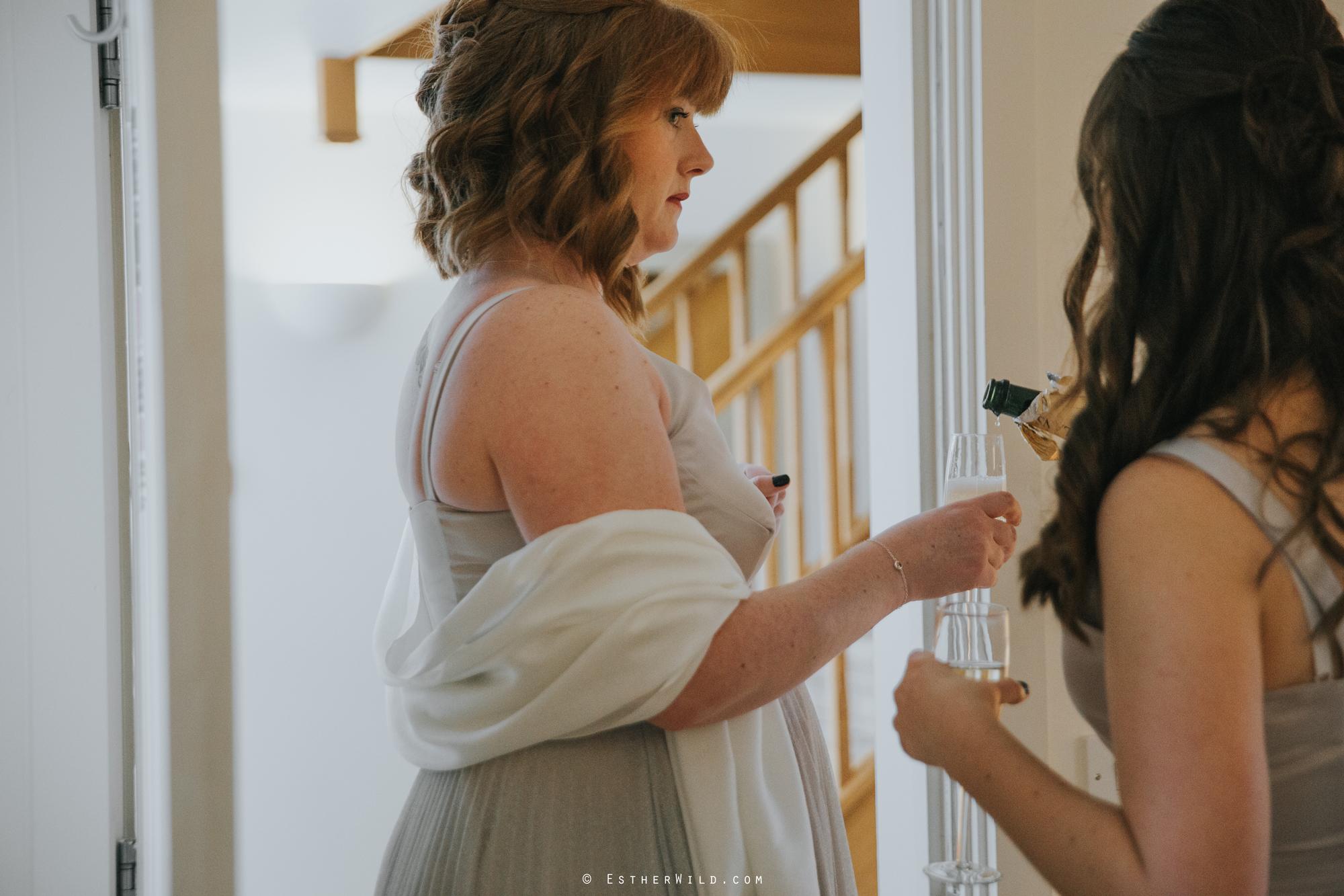 Elms_Barn_Weddings_Suffolk_Photographer_Copyright_Esther_Wild_IMG_0595.jpg