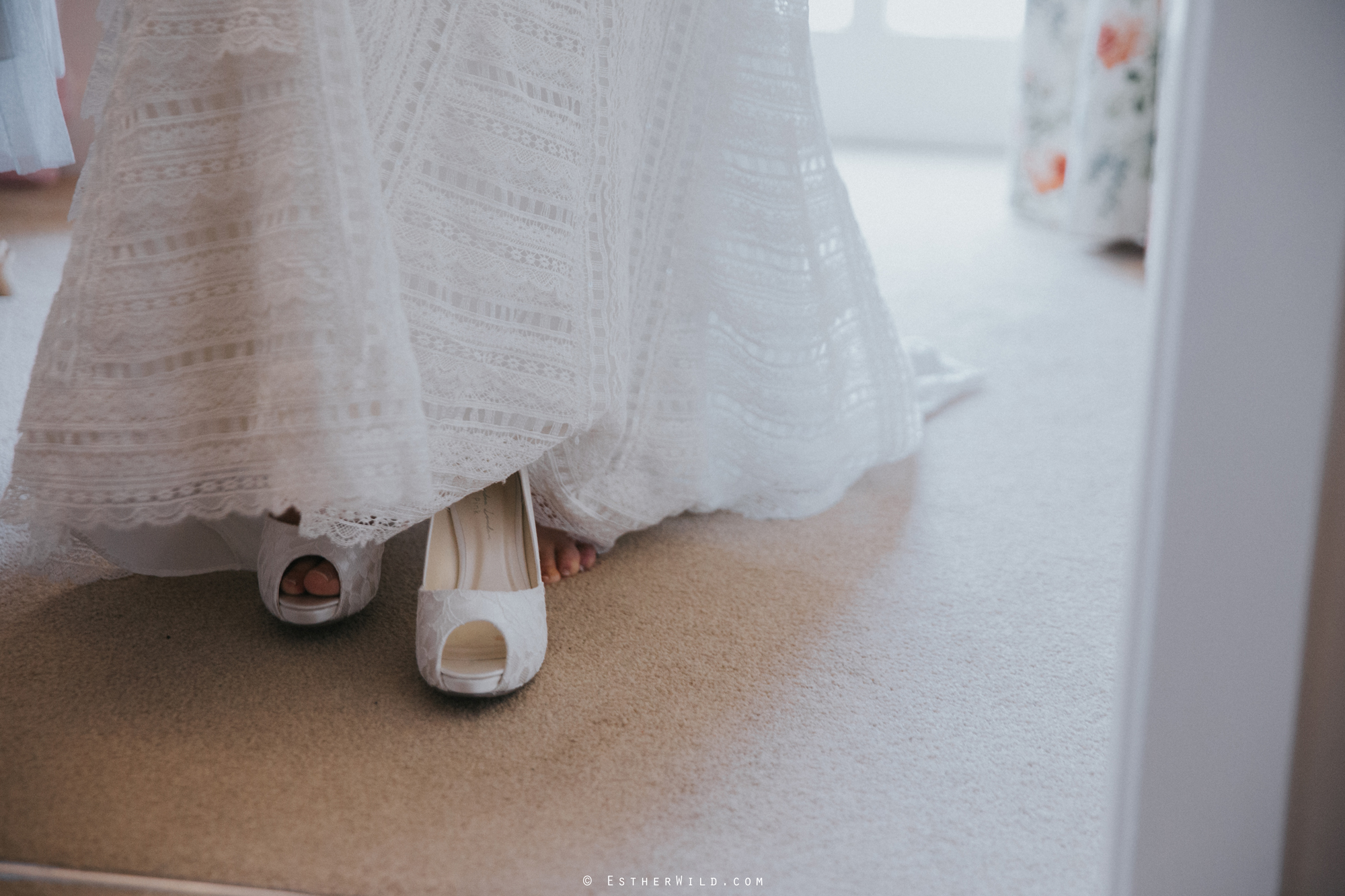 Elms_Barn_Weddings_Suffolk_Photographer_Copyright_Esther_Wild_IMG_0697.jpg