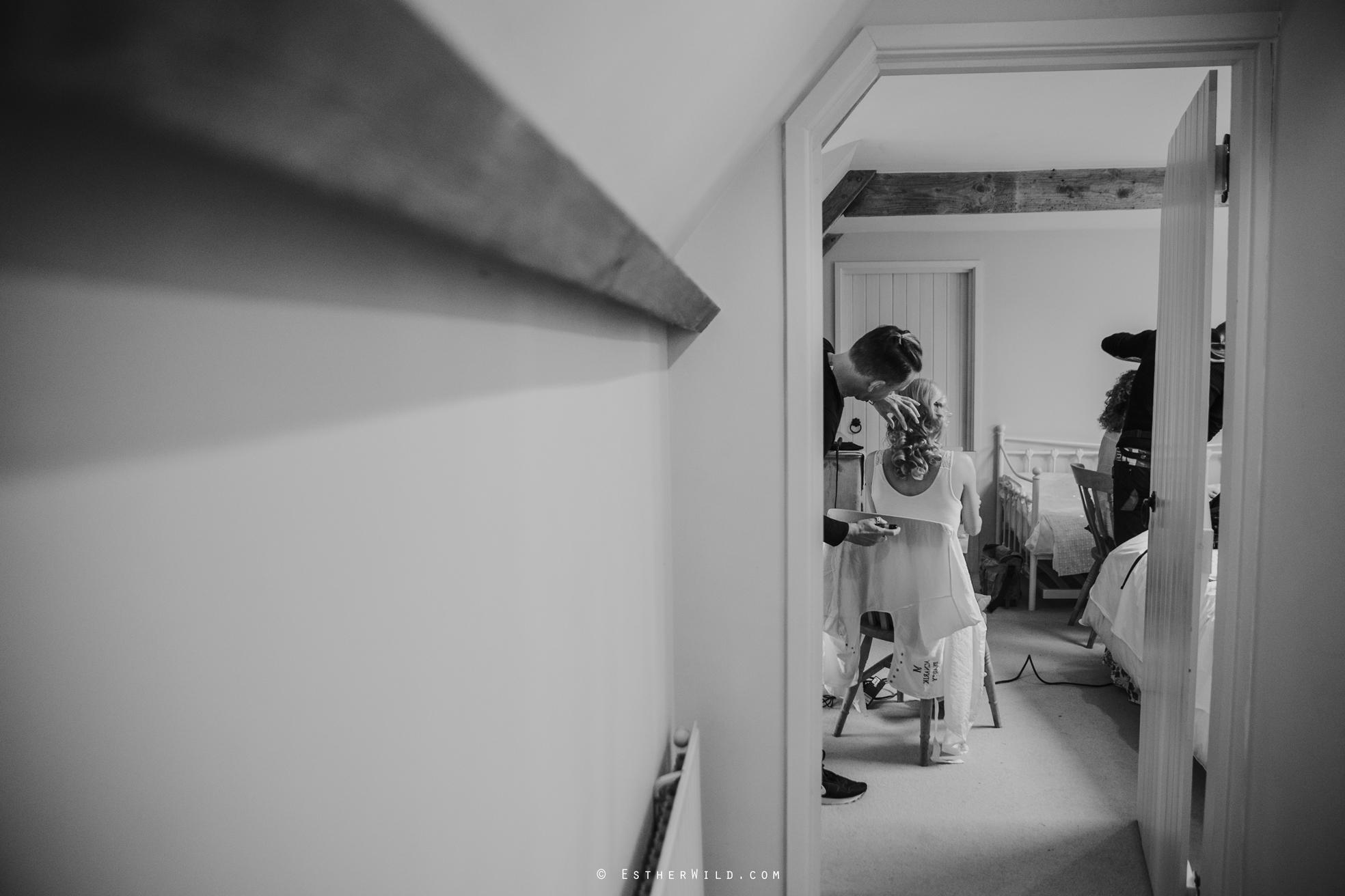 Elms_Barn_Weddings_Suffolk_Photographer_Copyright_Esther_Wild_IMG_0857-2.jpg