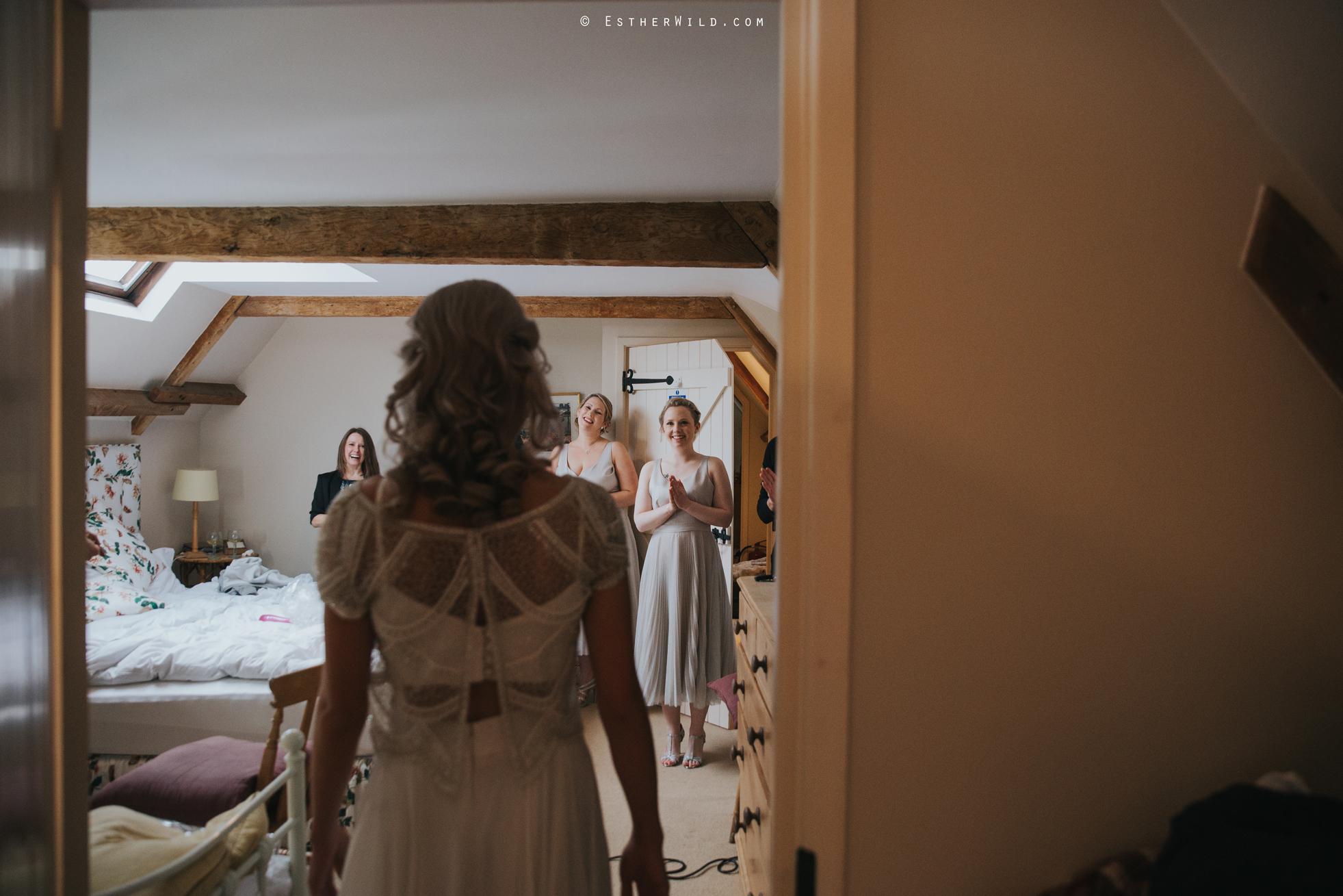 Elms_Barn_Weddings_Suffolk_Photographer_Copyright_Esther_Wild_IMG_0935.jpg