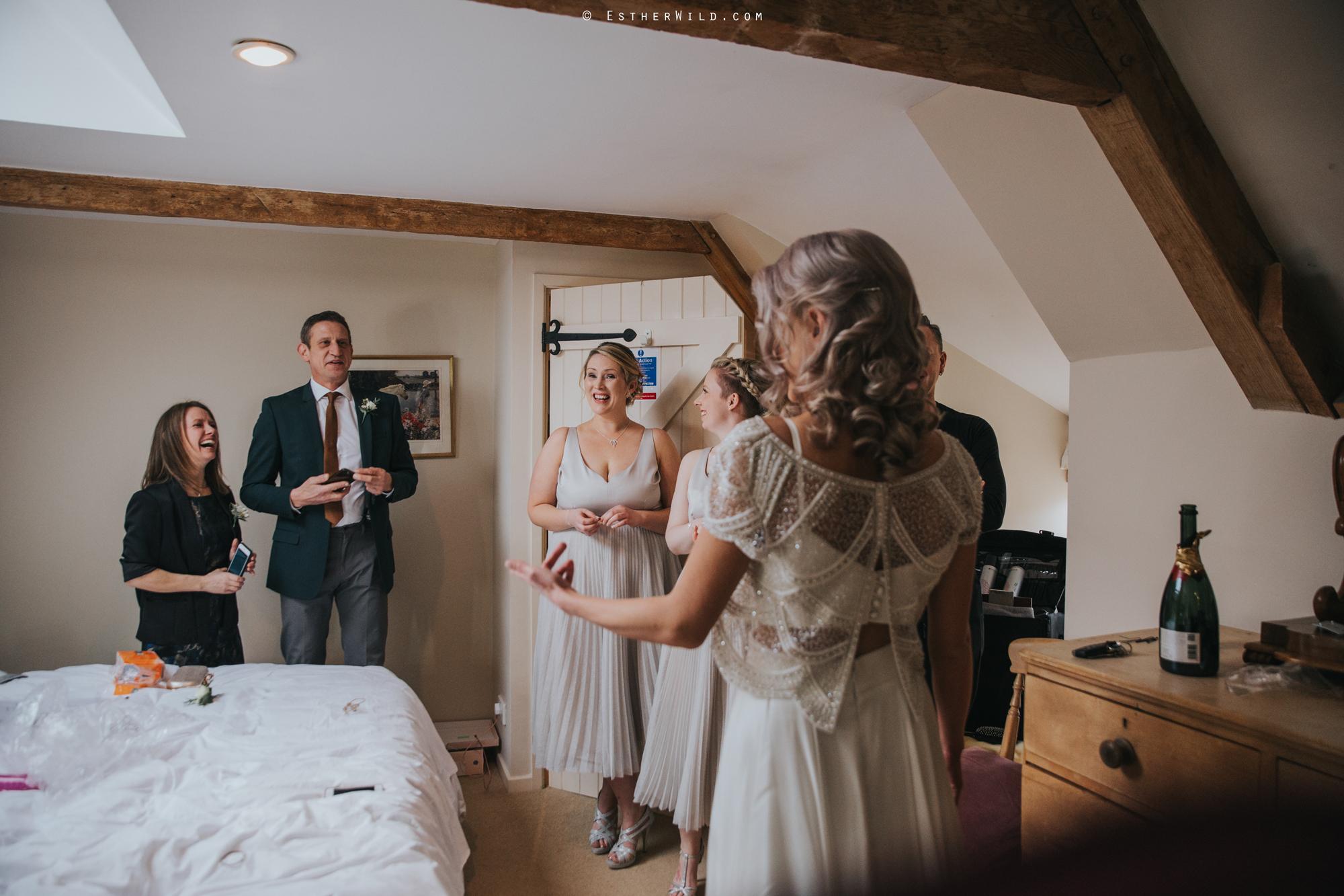 Elms_Barn_Weddings_Suffolk_Photographer_Copyright_Esther_Wild_IMG_0943.jpg