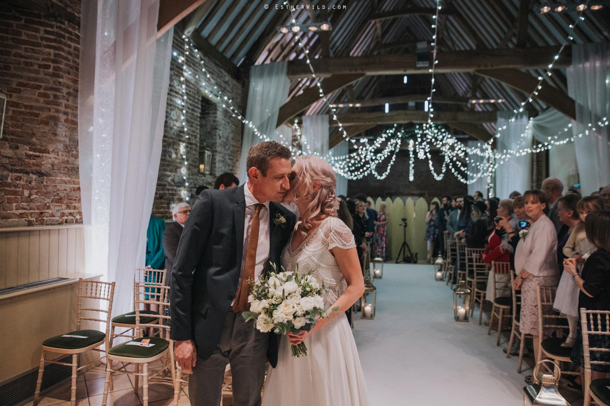 Elms_Barn_Weddings_Suffolk_Photographer_Copyright_Esther_Wild_IMG_1076.jpg