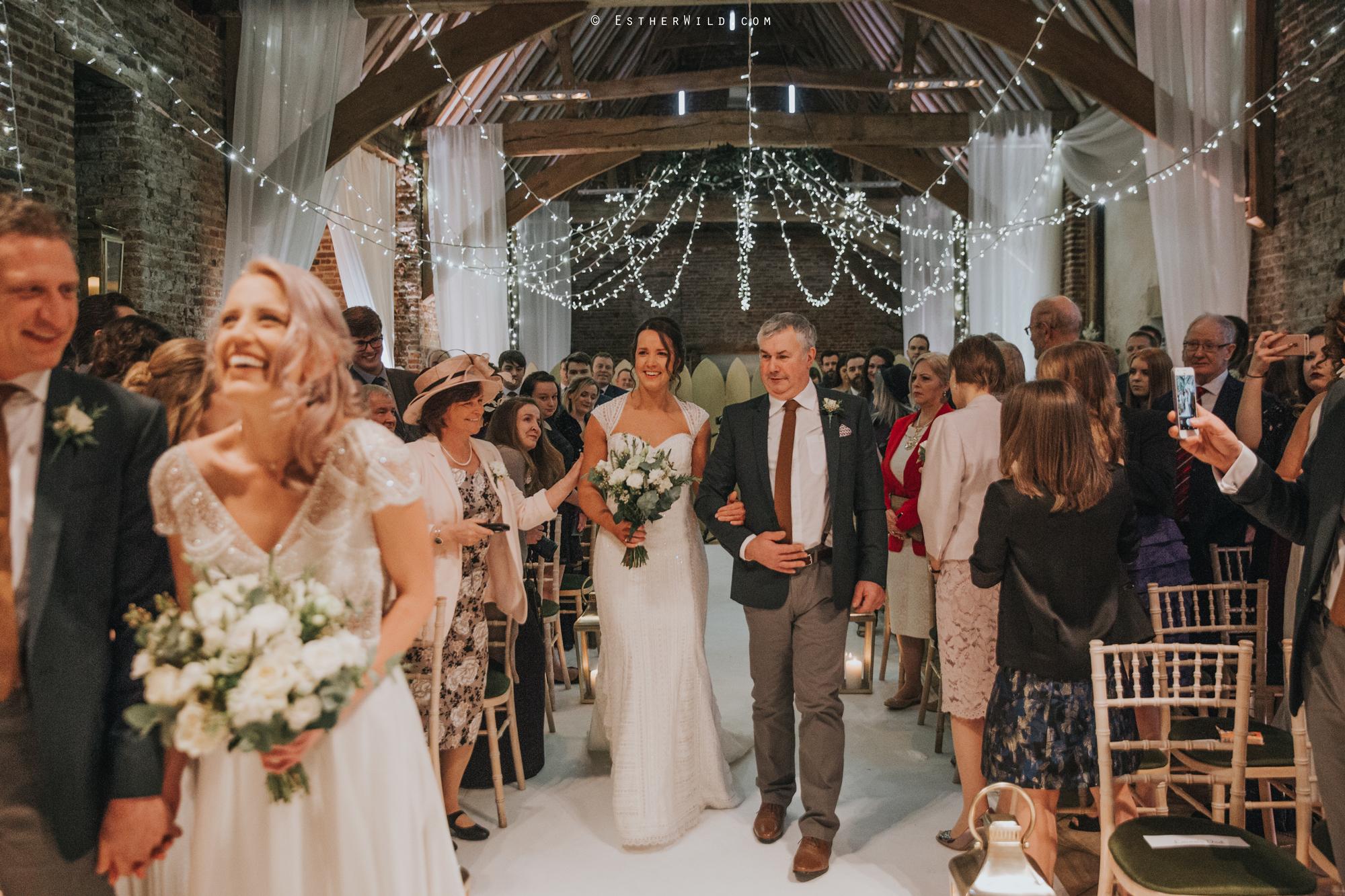 Elms_Barn_Weddings_Suffolk_Photographer_Copyright_Esther_Wild_IMG_1126.jpg