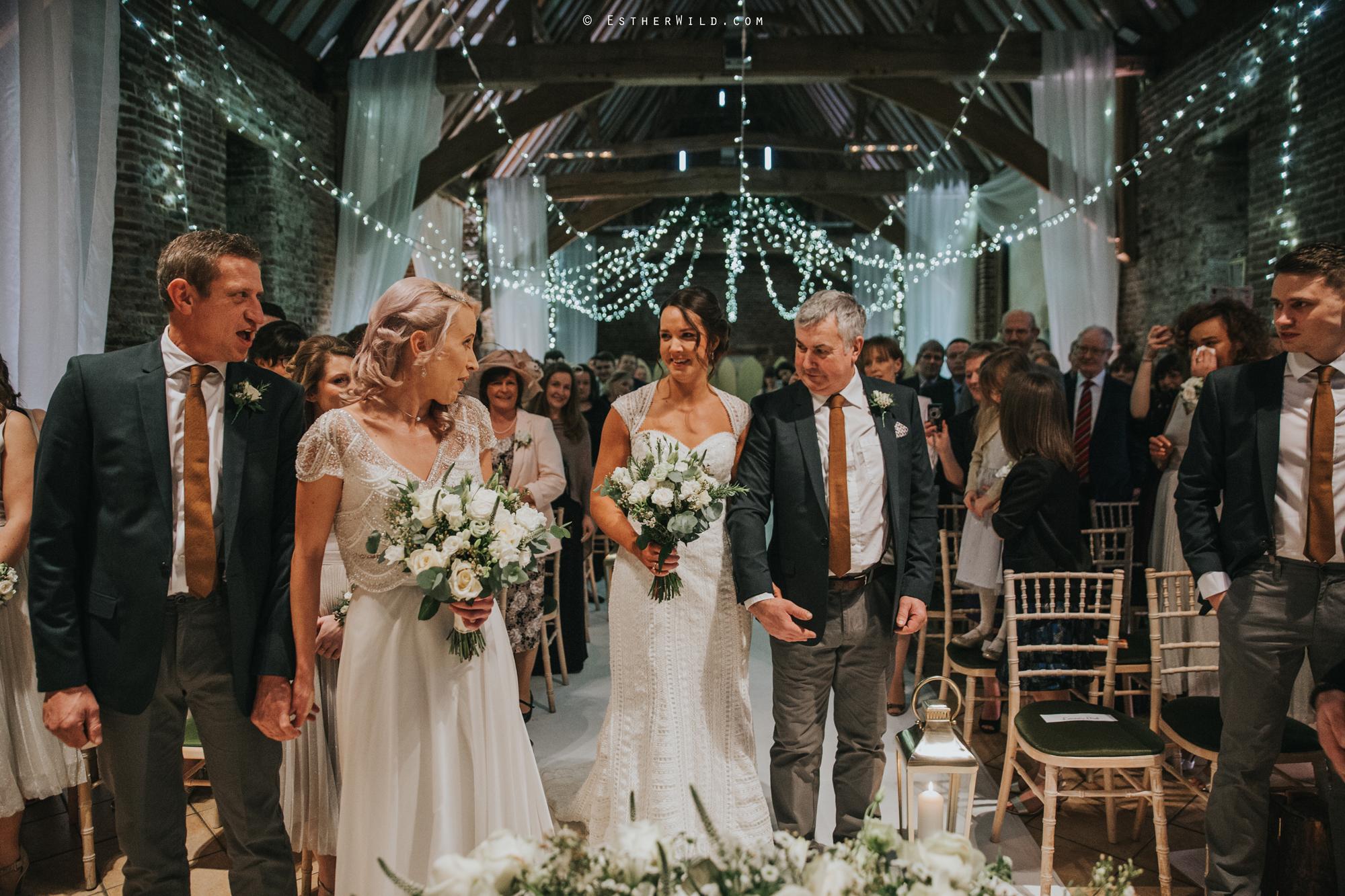 Elms_Barn_Weddings_Suffolk_Photographer_Copyright_Esther_Wild_IMG_1136.jpg