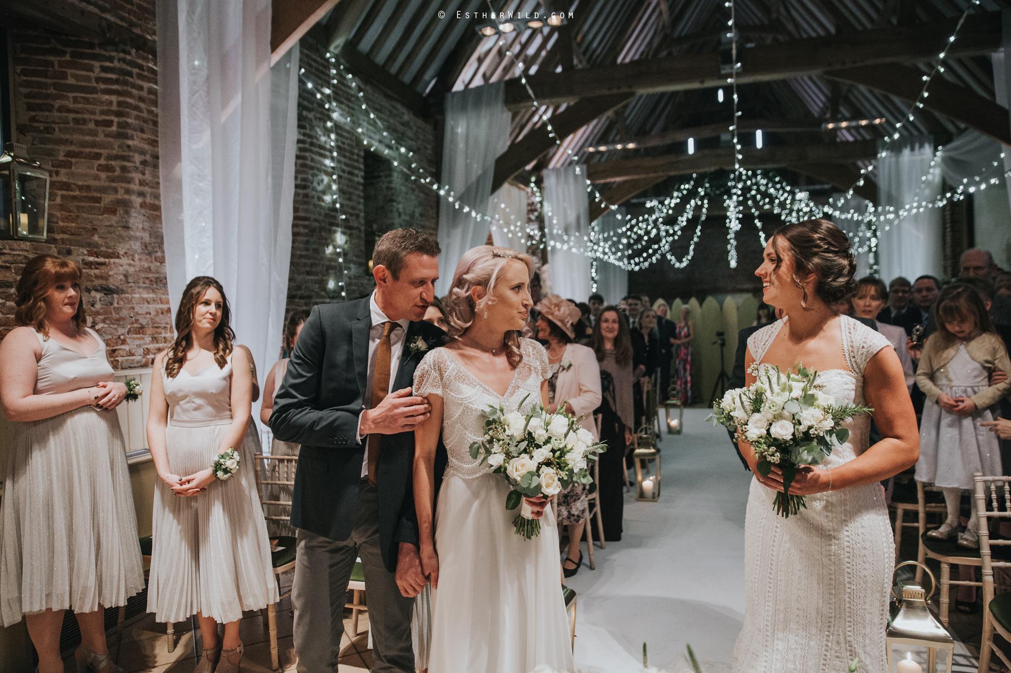 Elms_Barn_Weddings_Suffolk_Photographer_Copyright_Esther_Wild_IMG_1144.jpg