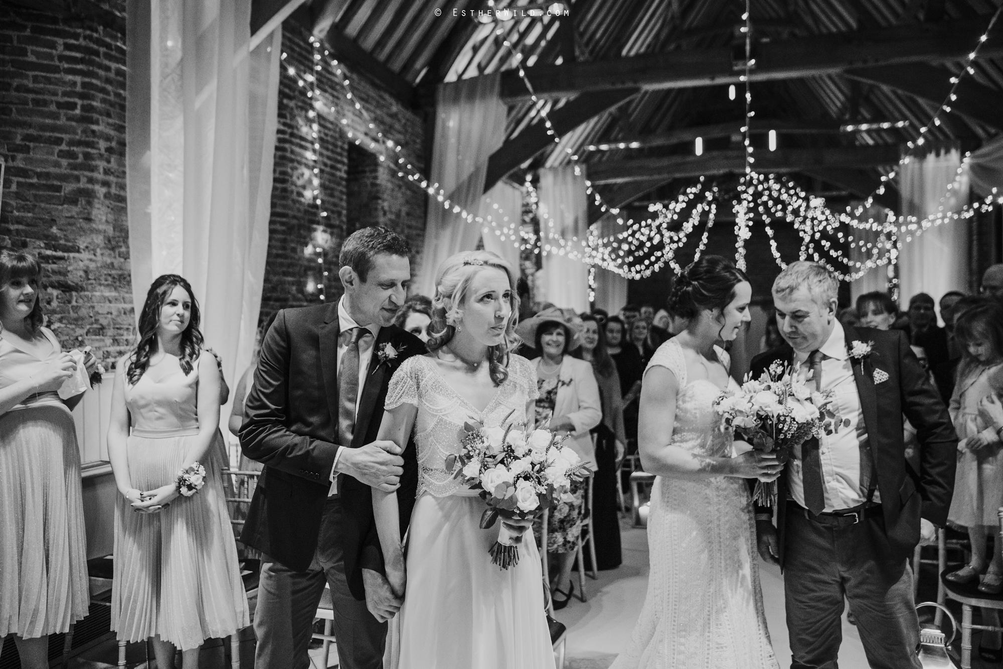 Elms_Barn_Weddings_Suffolk_Photographer_Copyright_Esther_Wild_IMG_1142-2.jpg