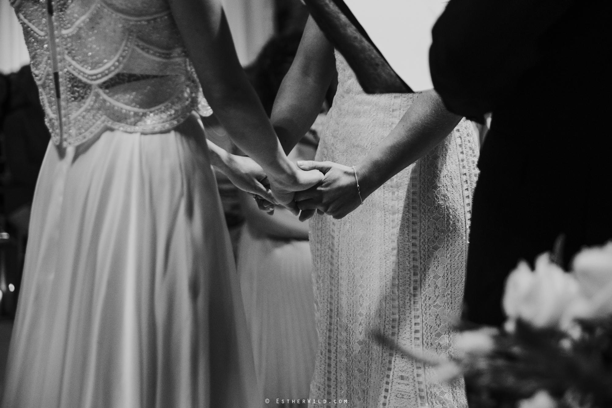 Elms_Barn_Weddings_Suffolk_Photographer_Copyright_Esther_Wild_IMG_1179-2.jpg