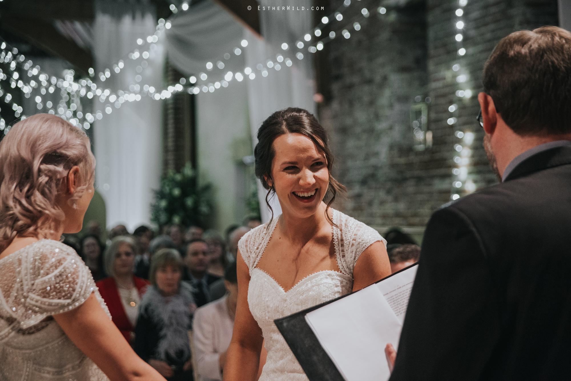 Elms_Barn_Weddings_Suffolk_Photographer_Copyright_Esther_Wild_IMG_1202.jpg