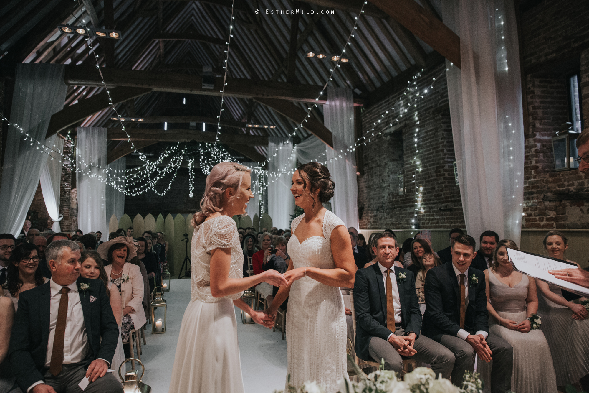 Elms_Barn_Weddings_Suffolk_Photographer_Copyright_Esther_Wild_IMG_1231.jpg