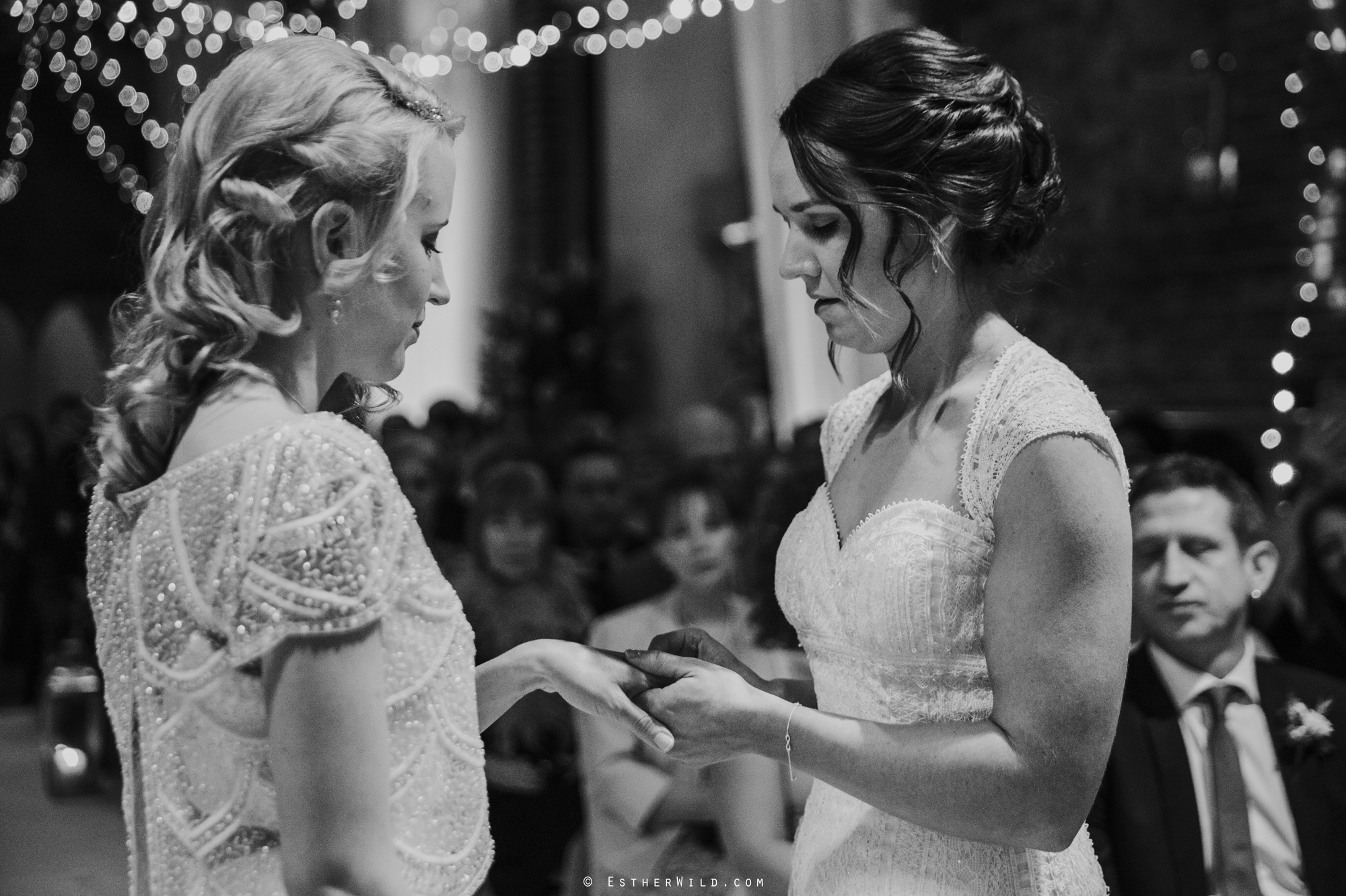Elms_Barn_Weddings_Suffolk_Photographer_Copyright_Esther_Wild_IMG_1249-2.jpg