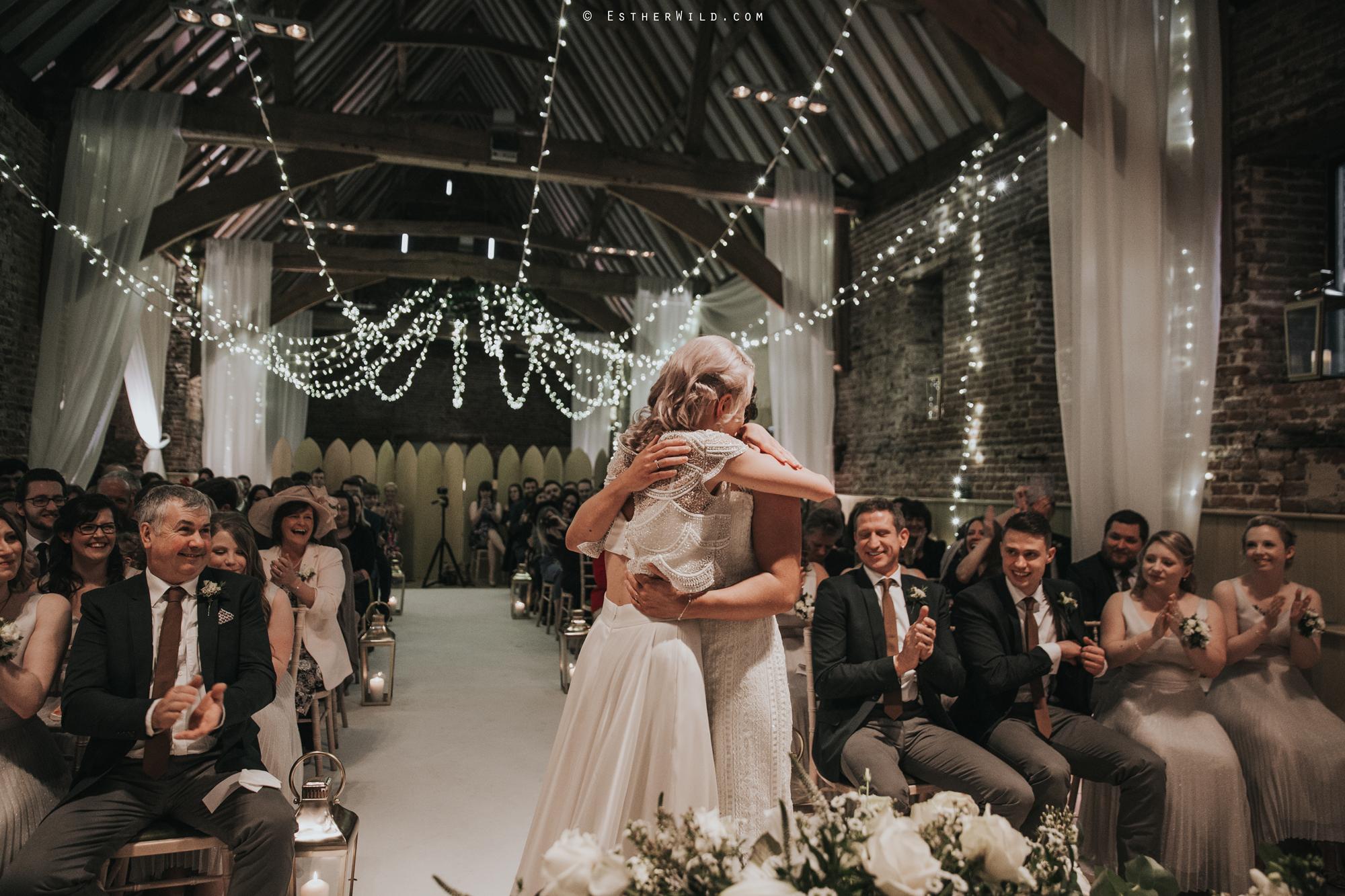 Elms_Barn_Weddings_Suffolk_Photographer_Copyright_Esther_Wild_IMG_1283.jpg
