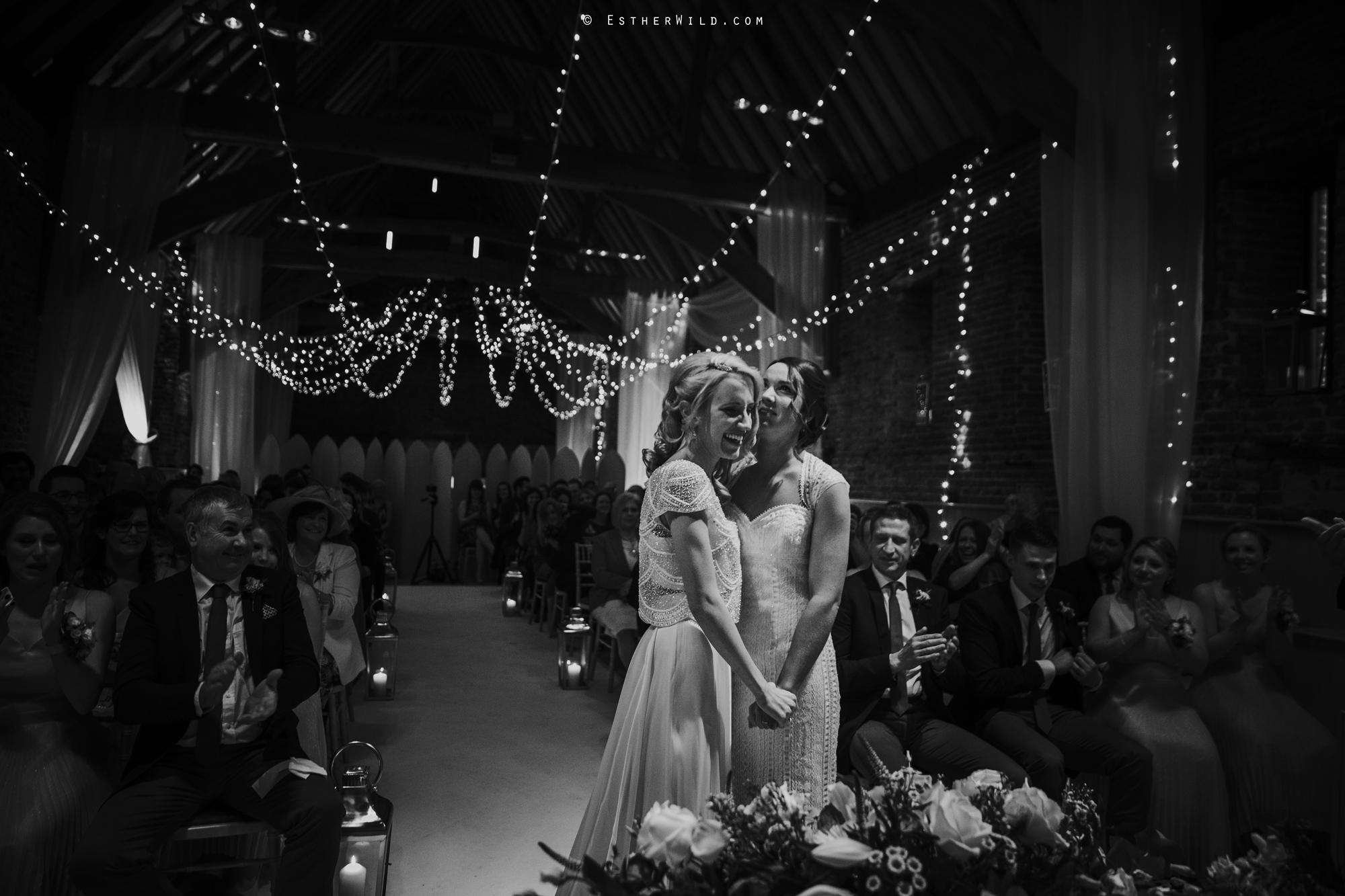 Elms_Barn_Weddings_Suffolk_Photographer_Copyright_Esther_Wild_IMG_1289-2.jpg