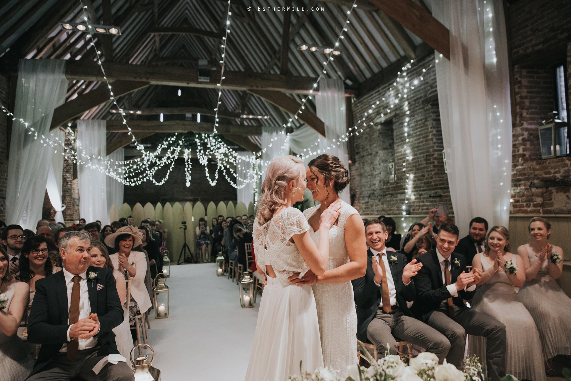 Elms_Barn_Weddings_Suffolk_Photographer_Copyright_Esther_Wild_IMG_1274.jpg