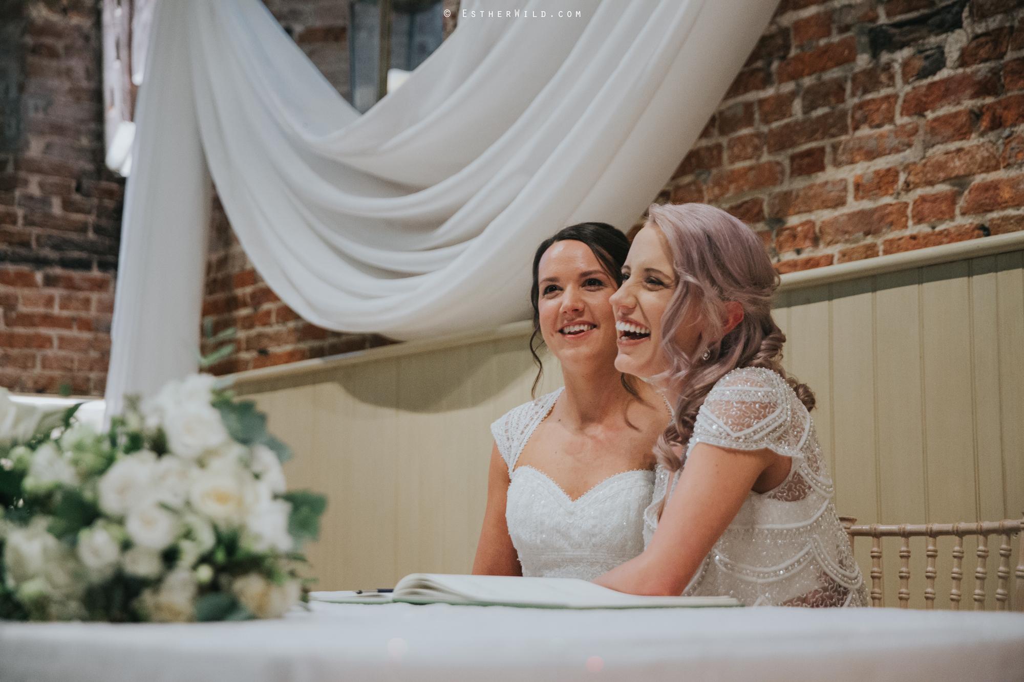 Elms_Barn_Weddings_Suffolk_Photographer_Copyright_Esther_Wild_IMG_1341.jpg