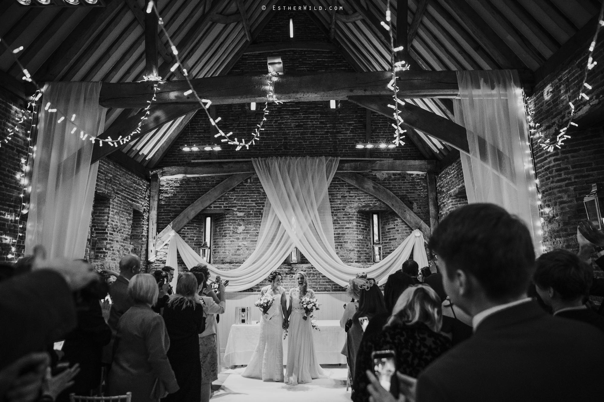 Elms_Barn_Weddings_Suffolk_Photographer_Copyright_Esther_Wild_IMG_1393-2.jpg