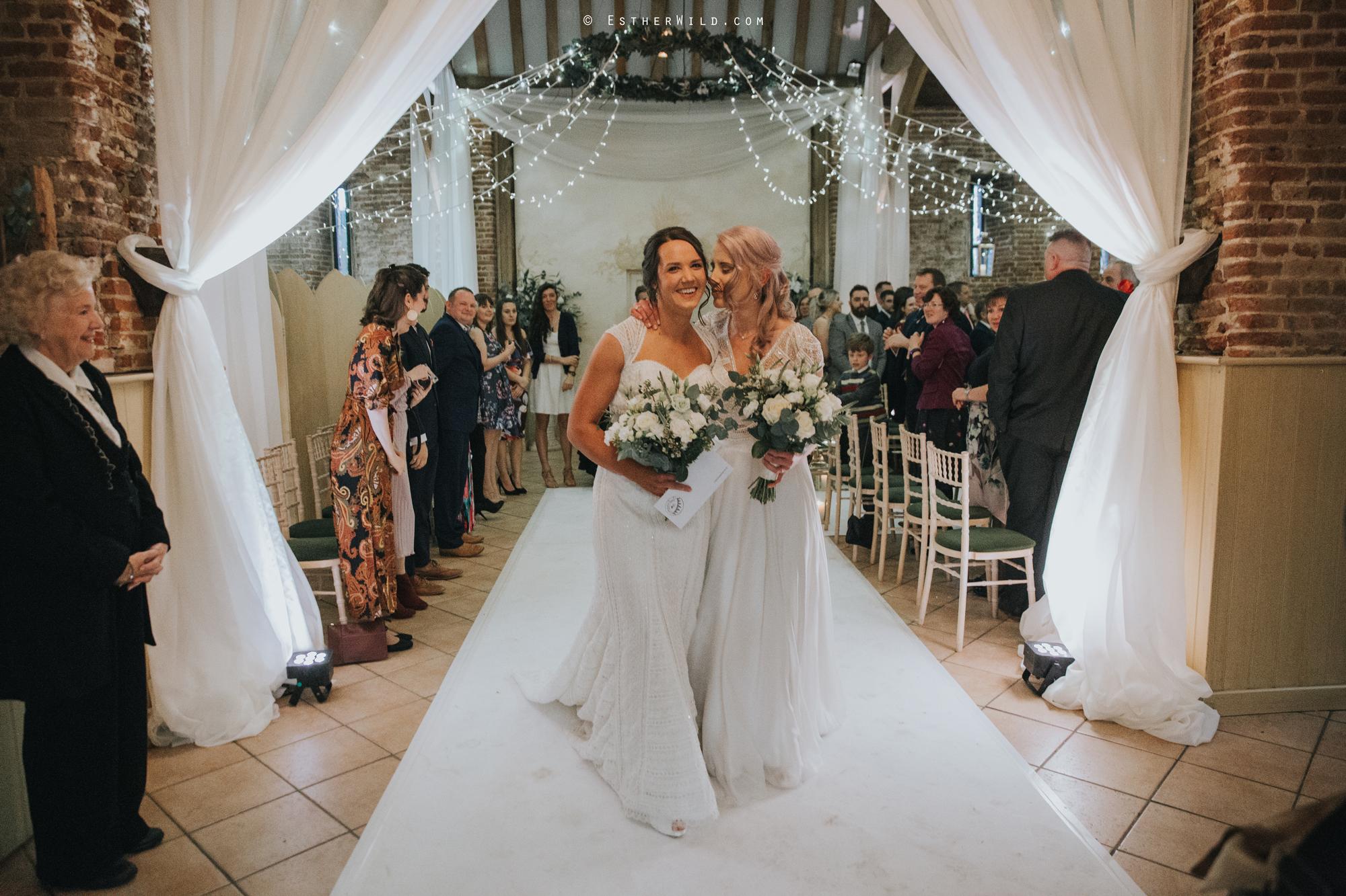 Elms_Barn_Weddings_Suffolk_Photographer_Copyright_Esther_Wild_IMG_1408.jpg