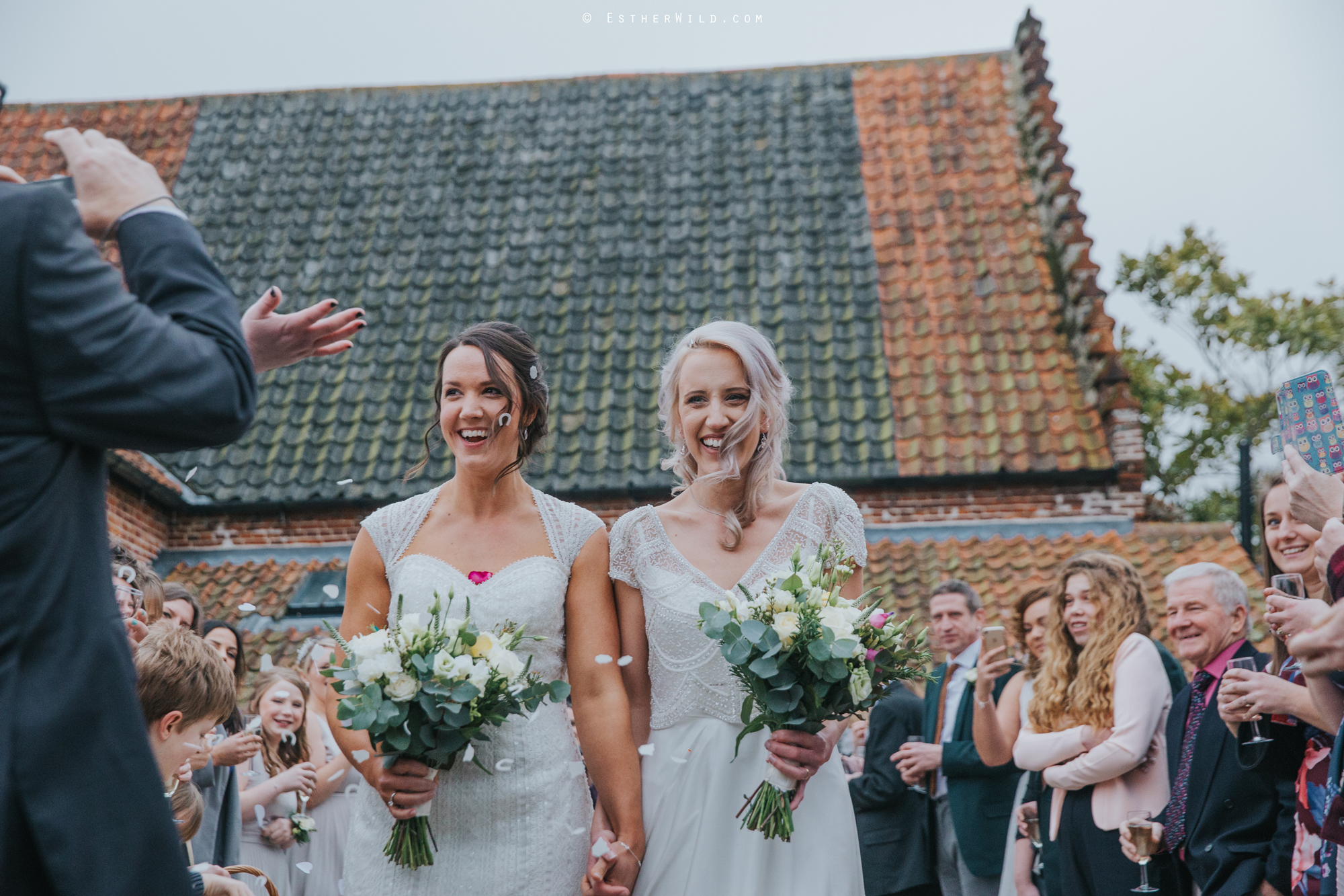 Elms_Barn_Weddings_Suffolk_Photographer_Copyright_Esther_Wild_IMG_1487.jpg