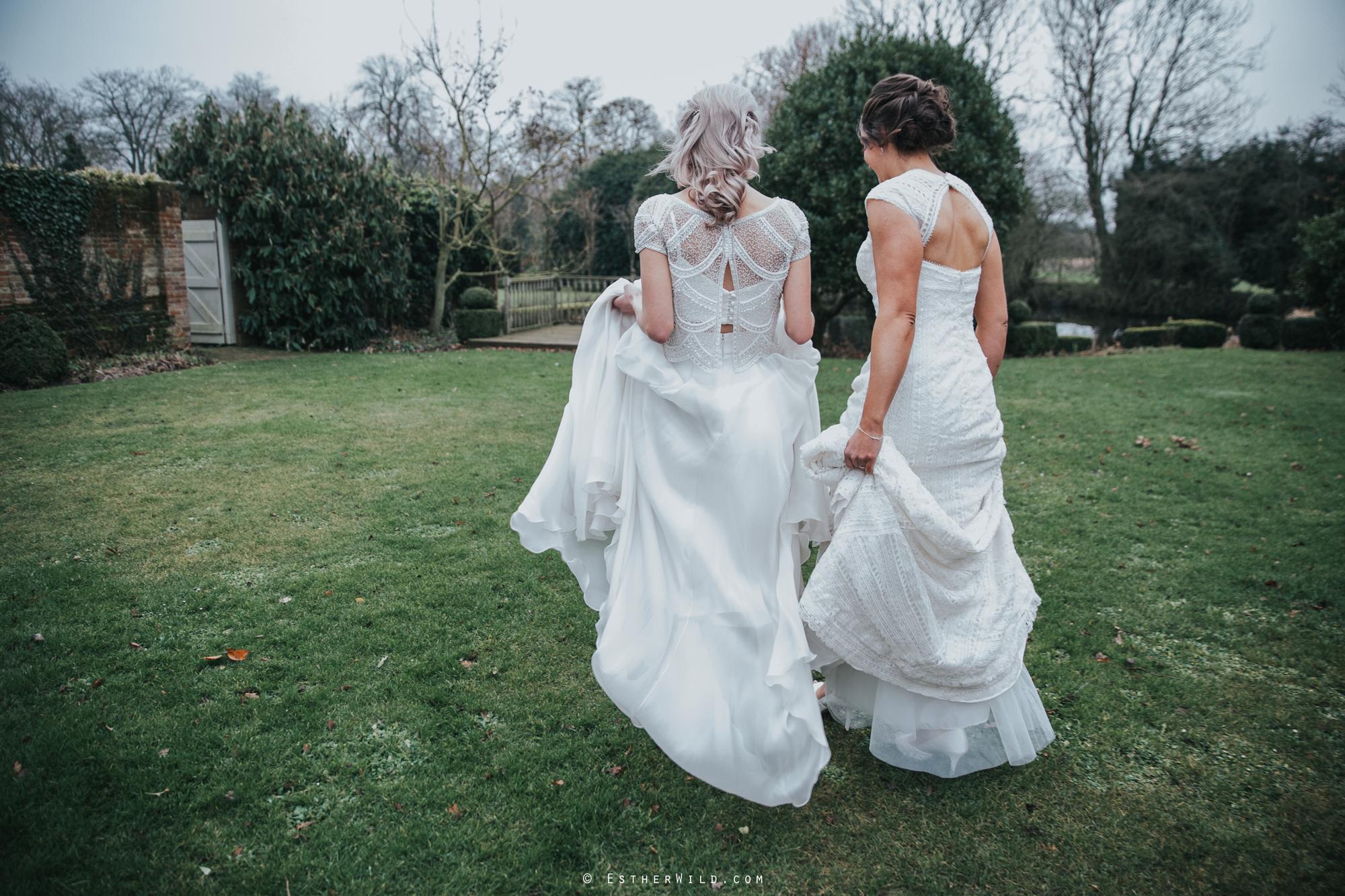 Elms_Barn_Weddings_Suffolk_Photographer_Copyright_Esther_Wild_IMG_1903.jpg