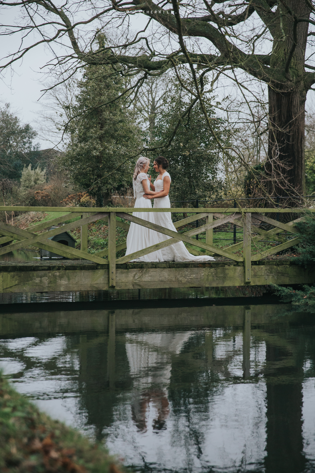 Elms_Barn_Weddings_Suffolk_Photographer_Copyright_Esther_Wild_IMG_1978.jpg