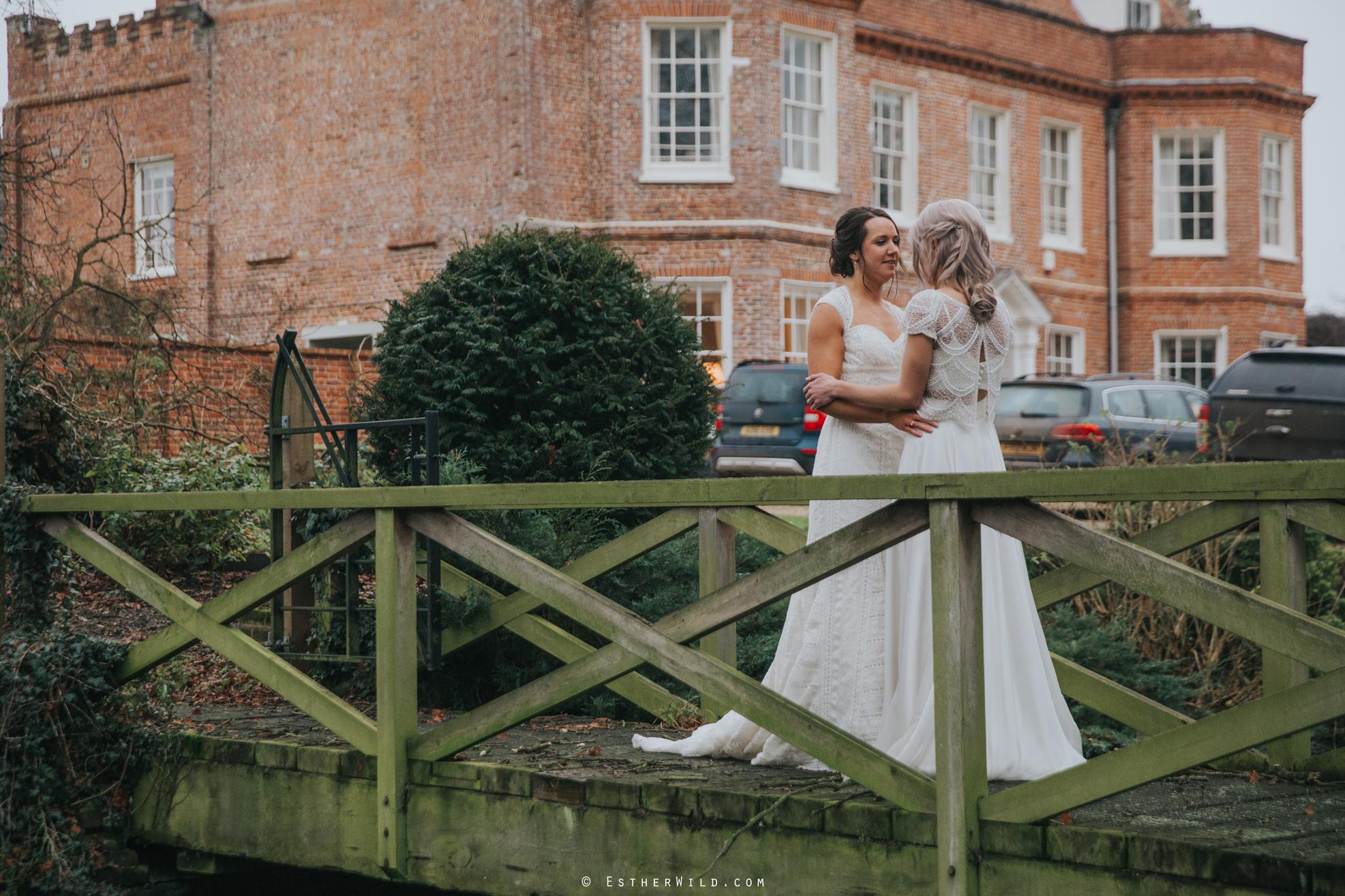 Elms_Barn_Weddings_Suffolk_Photographer_Copyright_Esther_Wild_IMG_1986.jpg