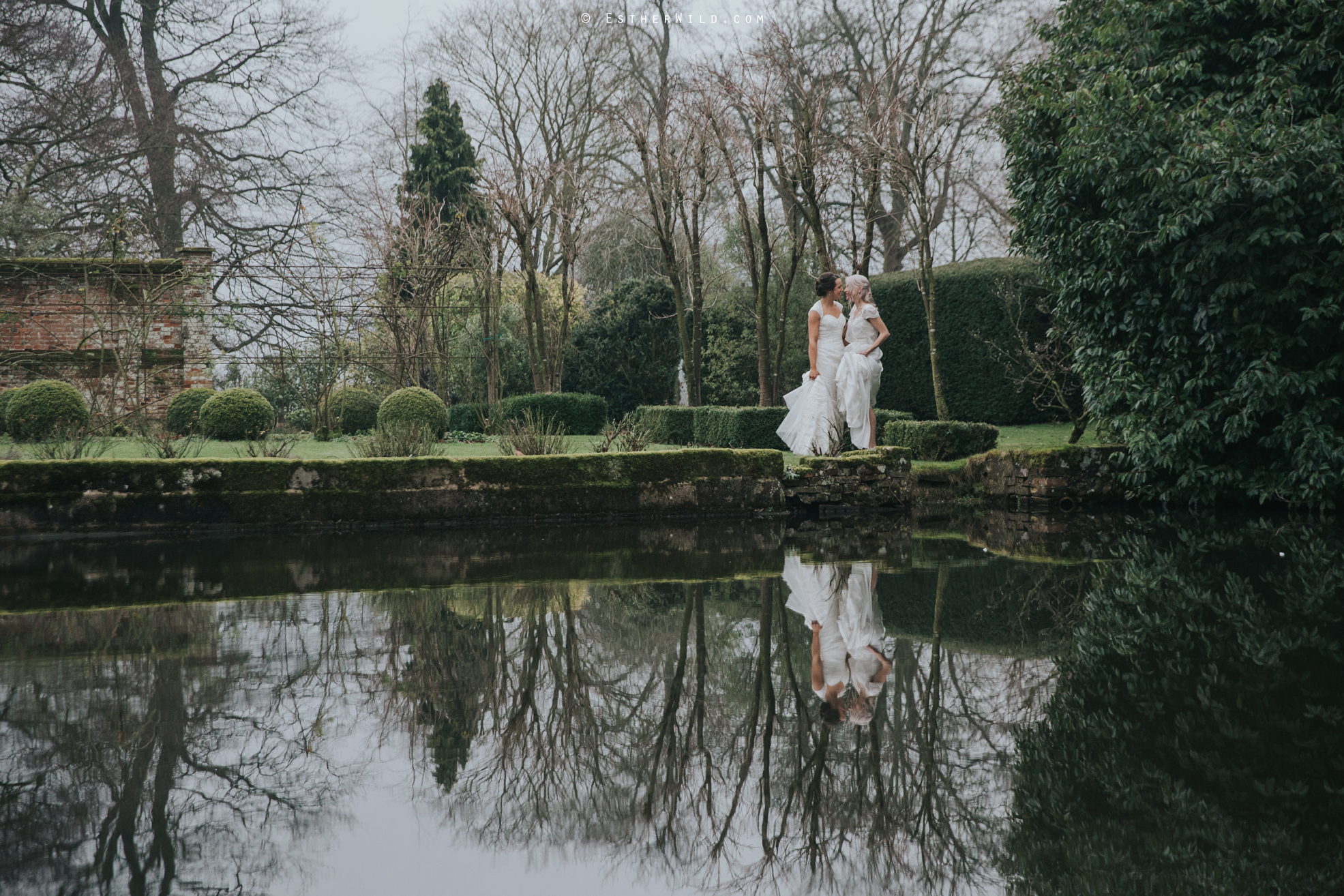 Elms_Barn_Weddings_Suffolk_Photographer_Copyright_Esther_Wild_IMG_2071.jpg