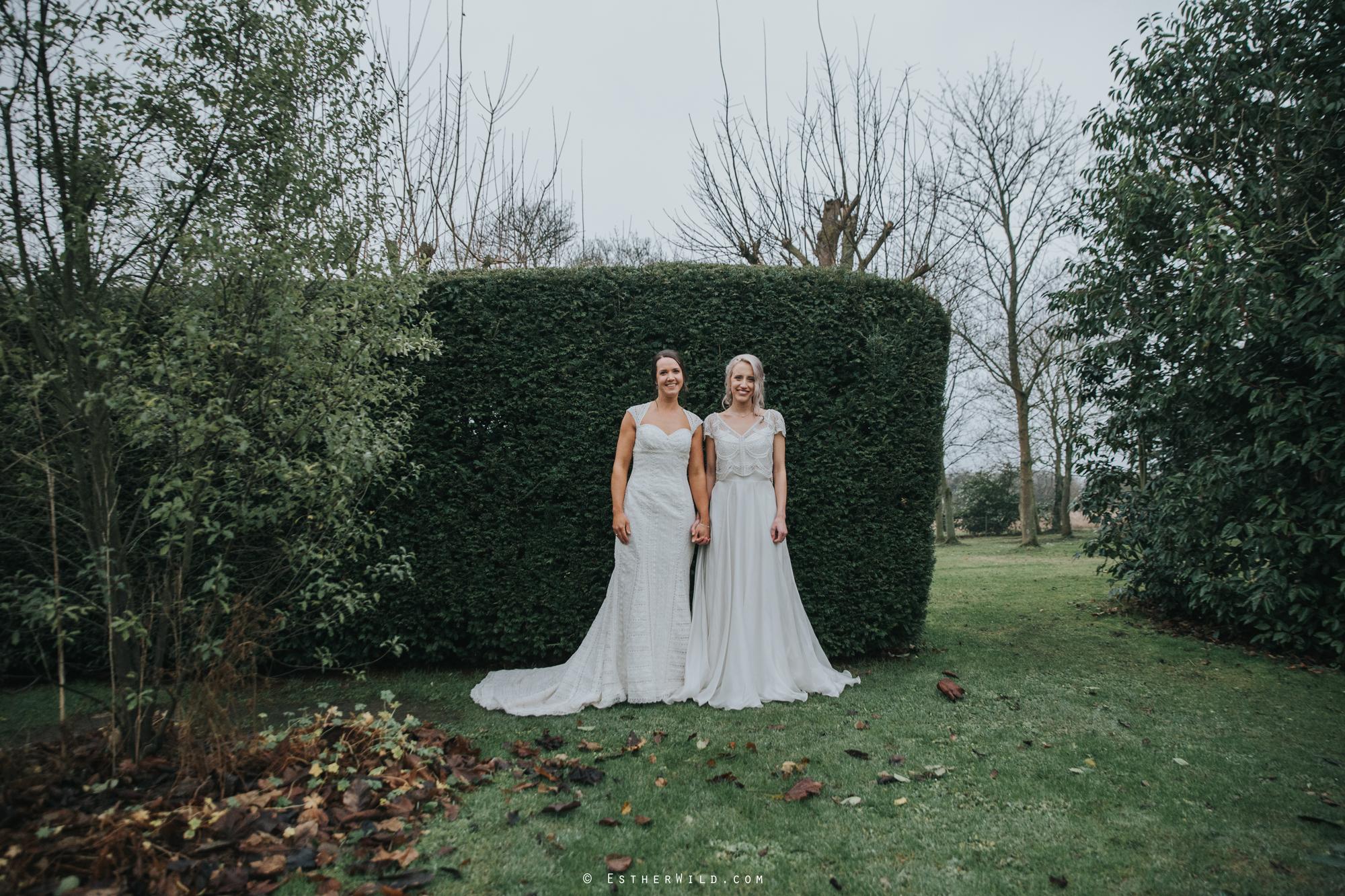 Elms_Barn_Weddings_Suffolk_Photographer_Copyright_Esther_Wild_IMG_2129.jpg