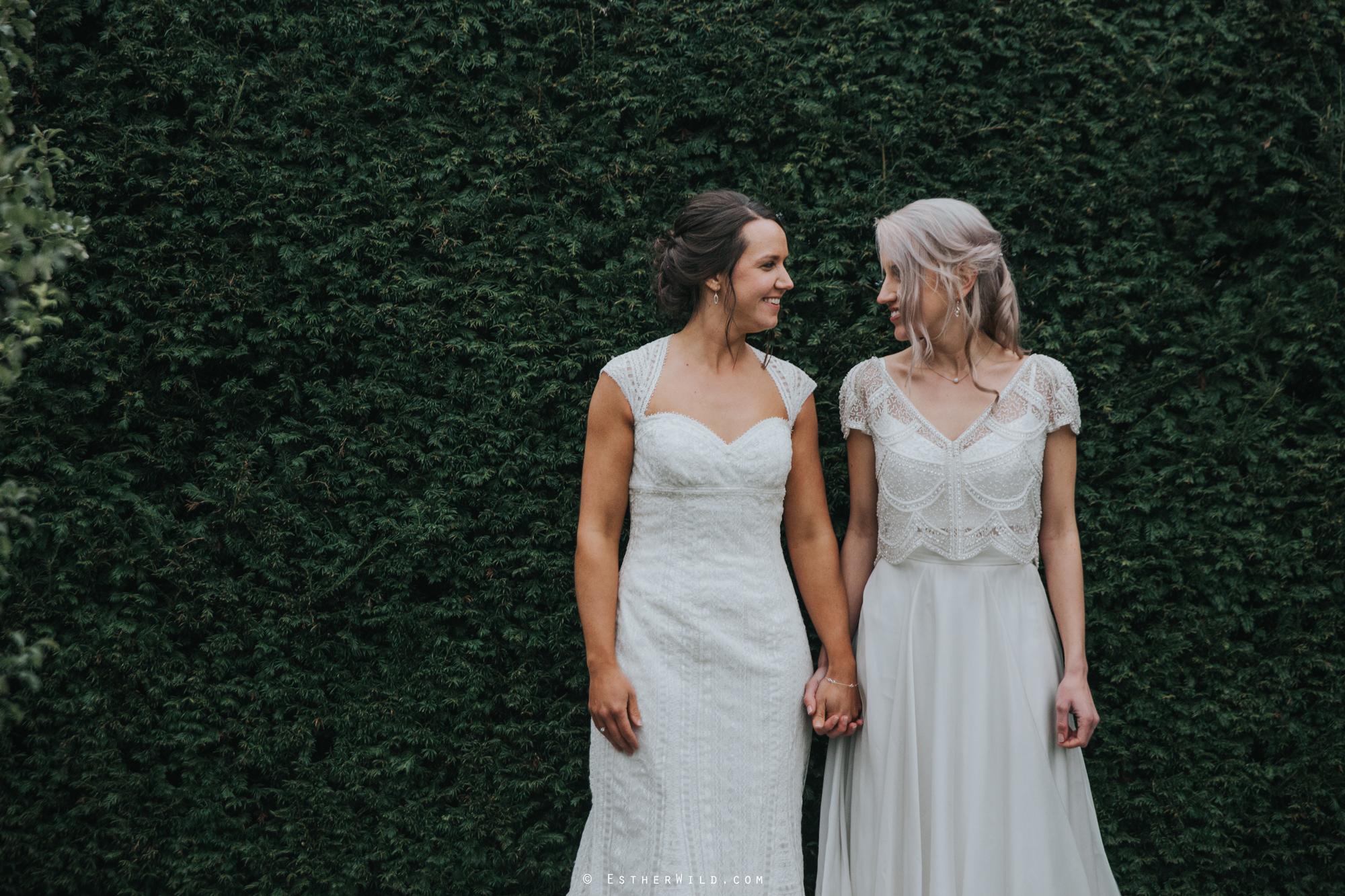 Elms_Barn_Weddings_Suffolk_Photographer_Copyright_Esther_Wild_IMG_2132.jpg