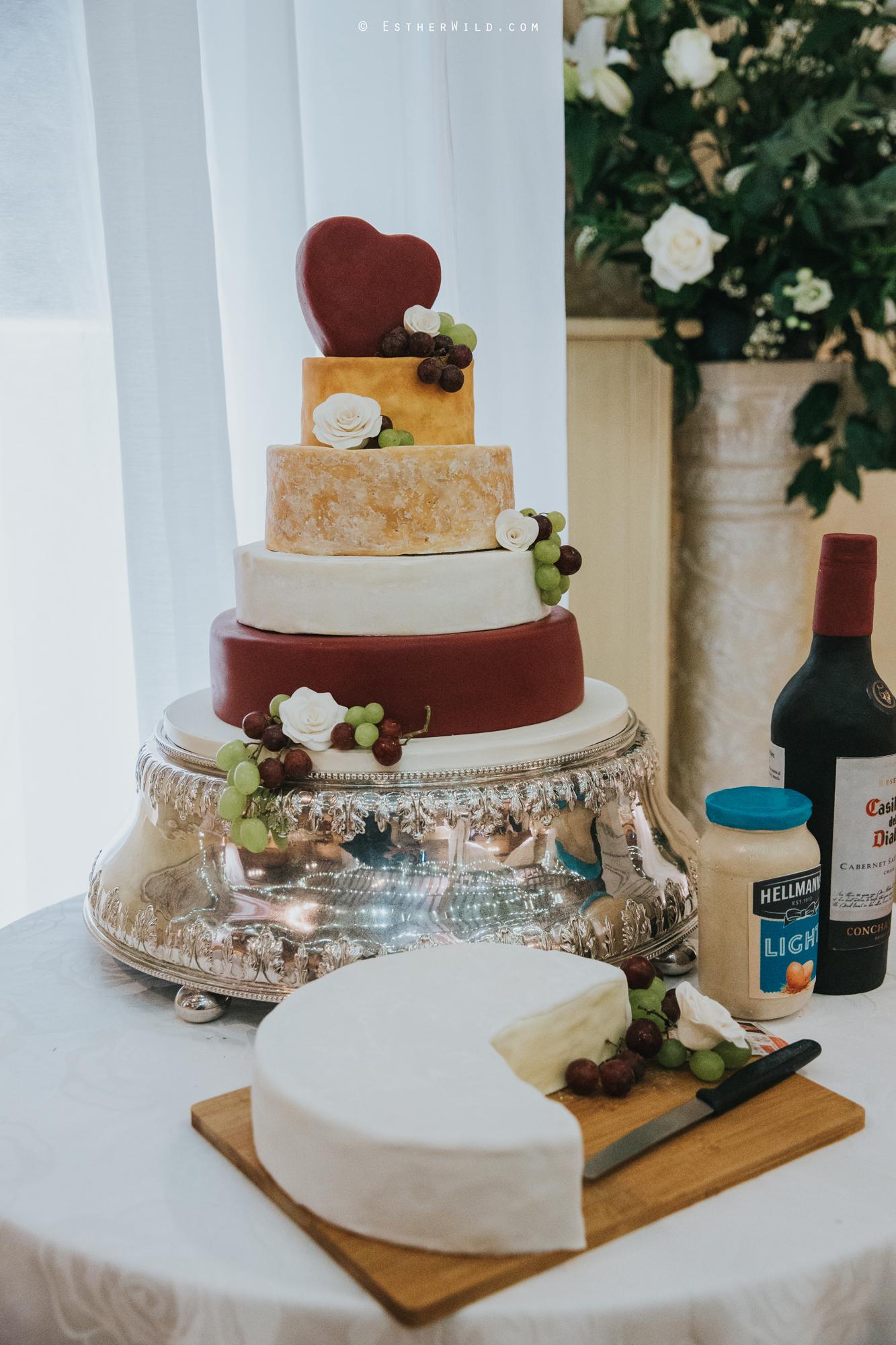 Elms_Barn_Weddings_Suffolk_Photographer_Copyright_Esther_Wild_IMG_2267.jpg