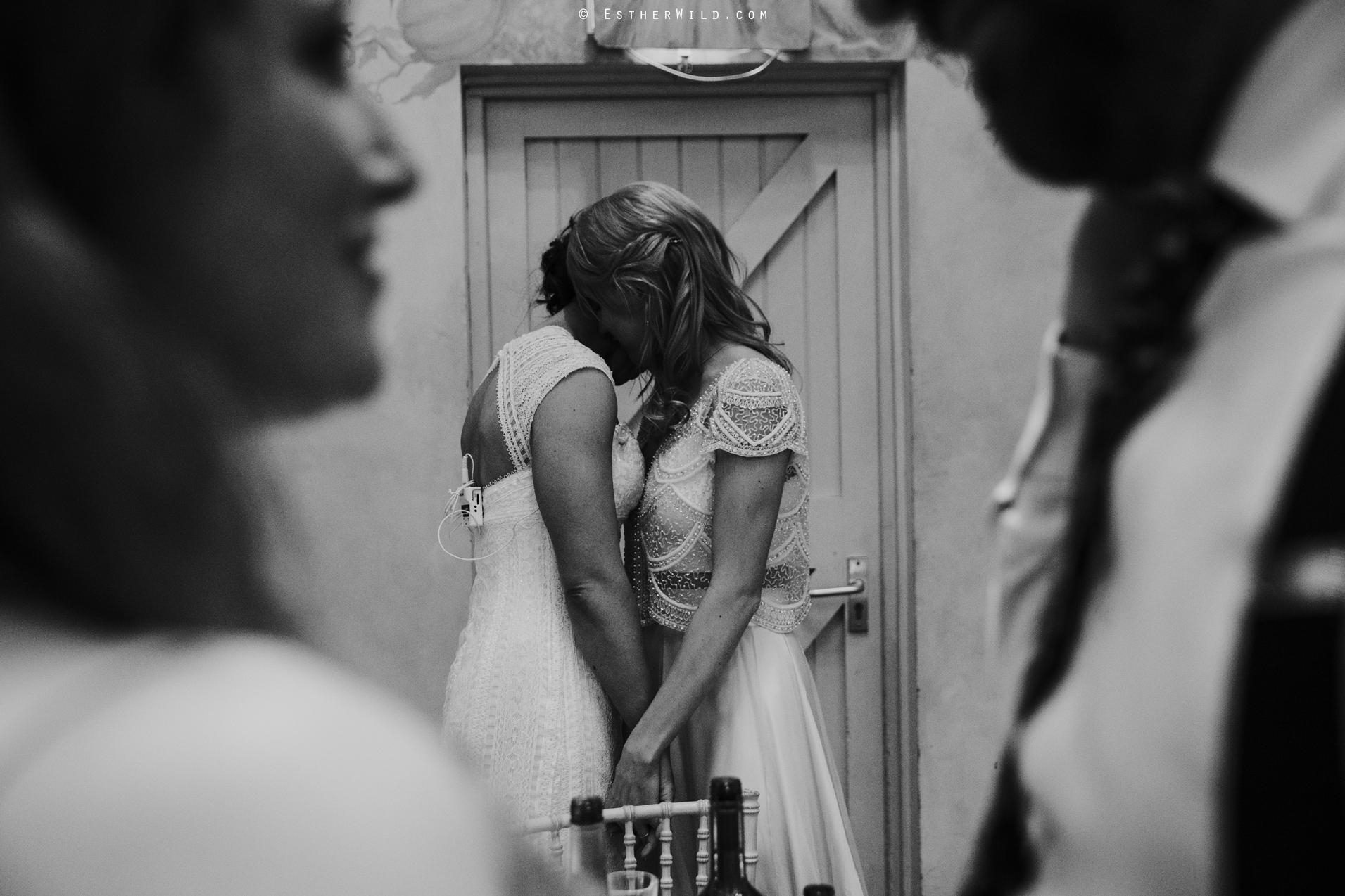 Elms_Barn_Weddings_Suffolk_Photographer_Copyright_Esther_Wild_IMG_2475.jpg