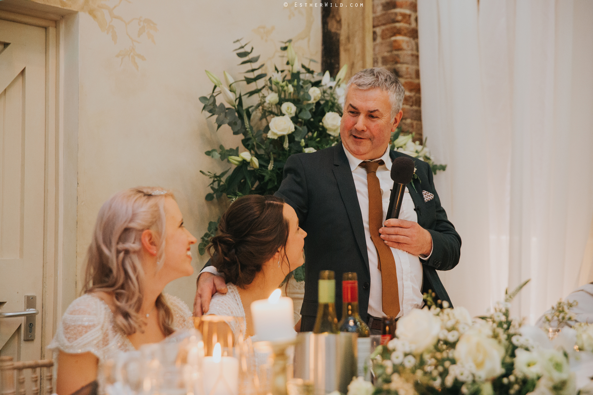 Elms_Barn_Weddings_Suffolk_Photographer_Copyright_Esther_Wild_IMG_2533.jpg