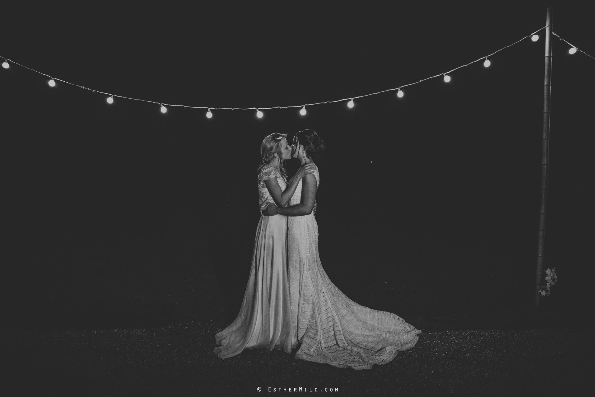 Elms_Barn_Weddings_Suffolk_Photographer_Copyright_Esther_Wild_IMG_3018-2.jpg