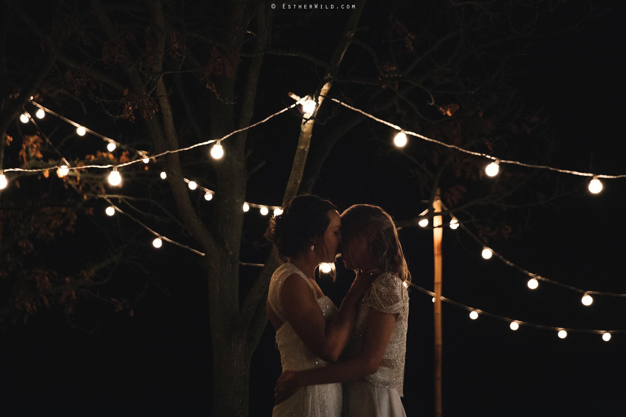 Elms_Barn_Weddings_Suffolk_Photographer_Copyright_Esther_Wild_IMG_3223.jpg