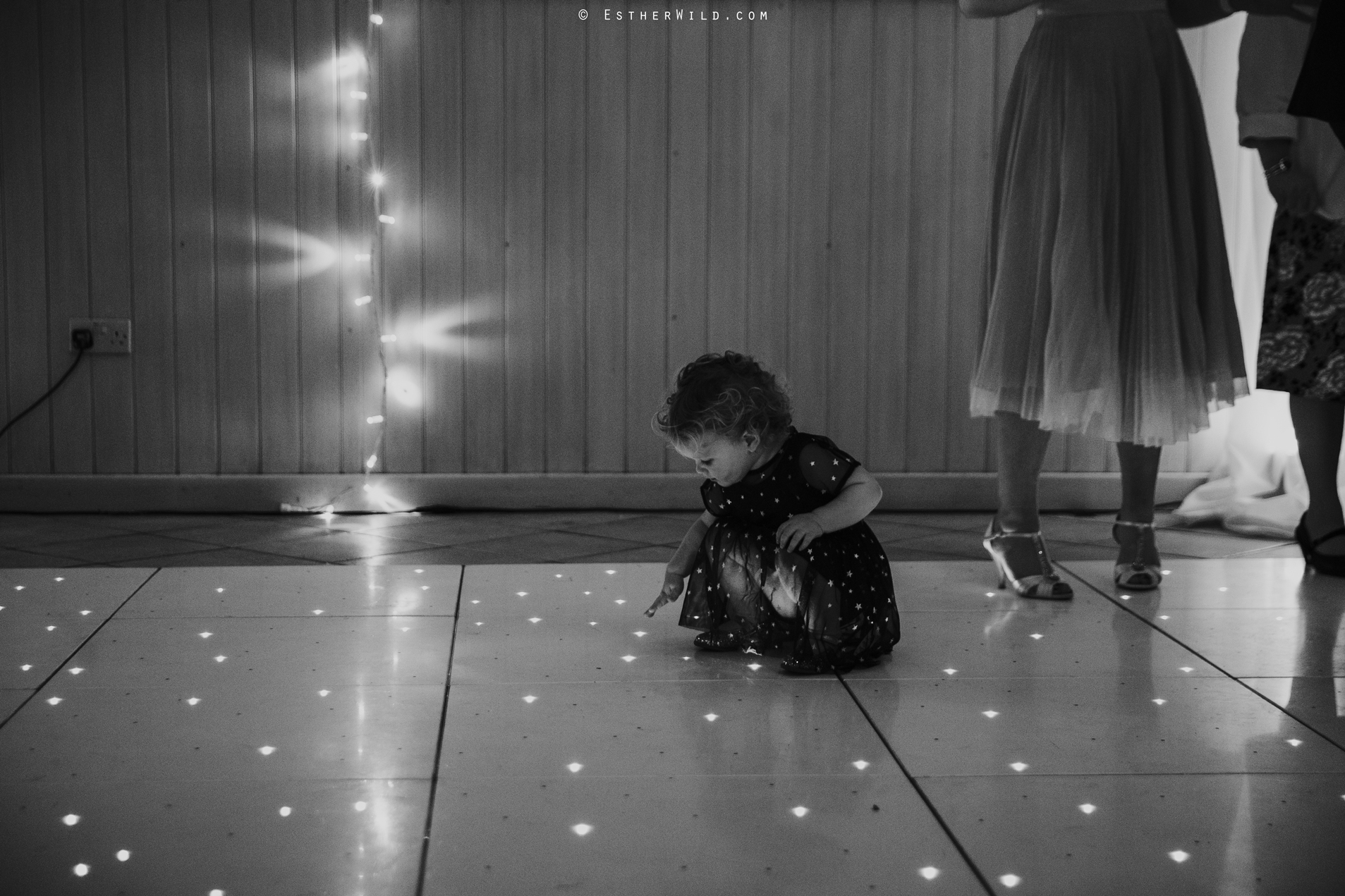 Elms_Barn_Weddings_Suffolk_Photographer_Copyright_Esther_Wild_IMG_3319.jpg