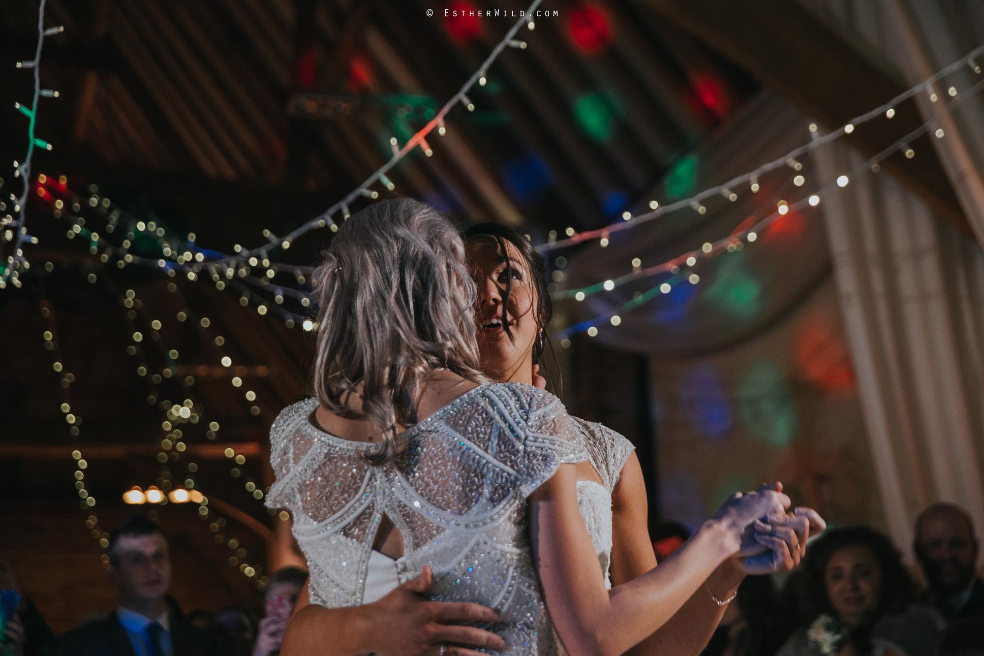 Elms_Barn_Weddings_Suffolk_Photographer_Copyright_Esther_Wild_IMG_3389.jpg