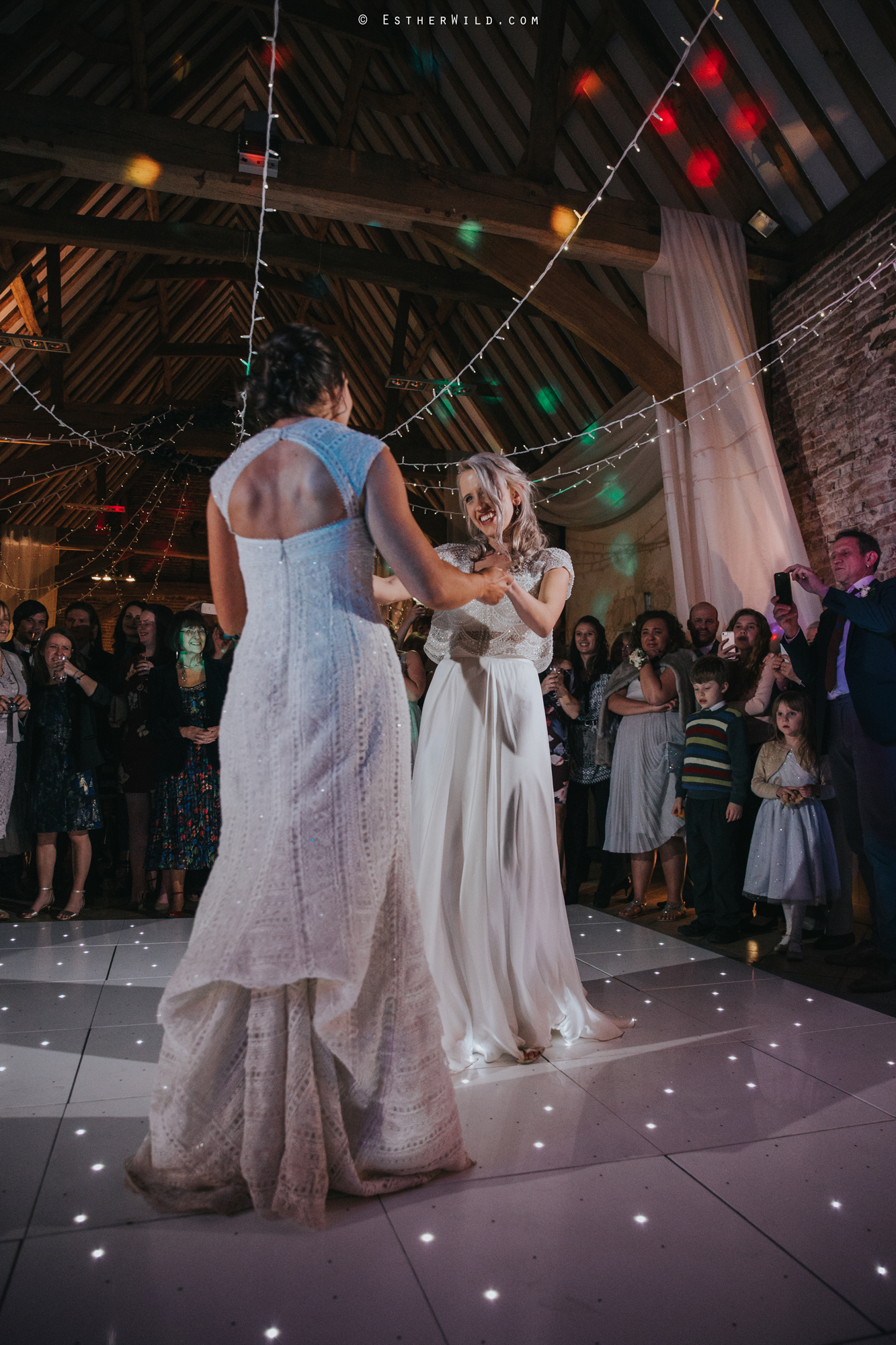 Elms_Barn_Weddings_Suffolk_Photographer_Copyright_Esther_Wild_IMG_3381.jpg
