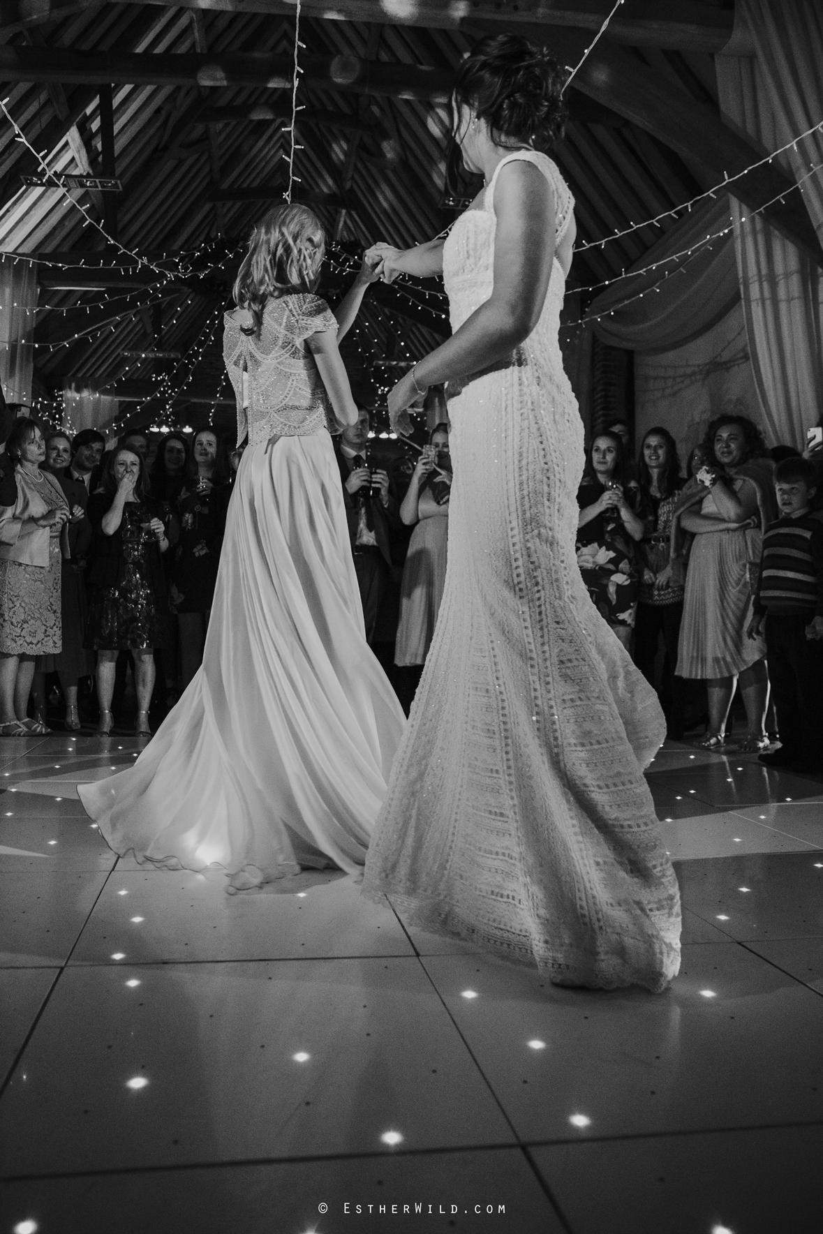 Elms_Barn_Weddings_Suffolk_Photographer_Copyright_Esther_Wild_IMG_3411-2.jpg