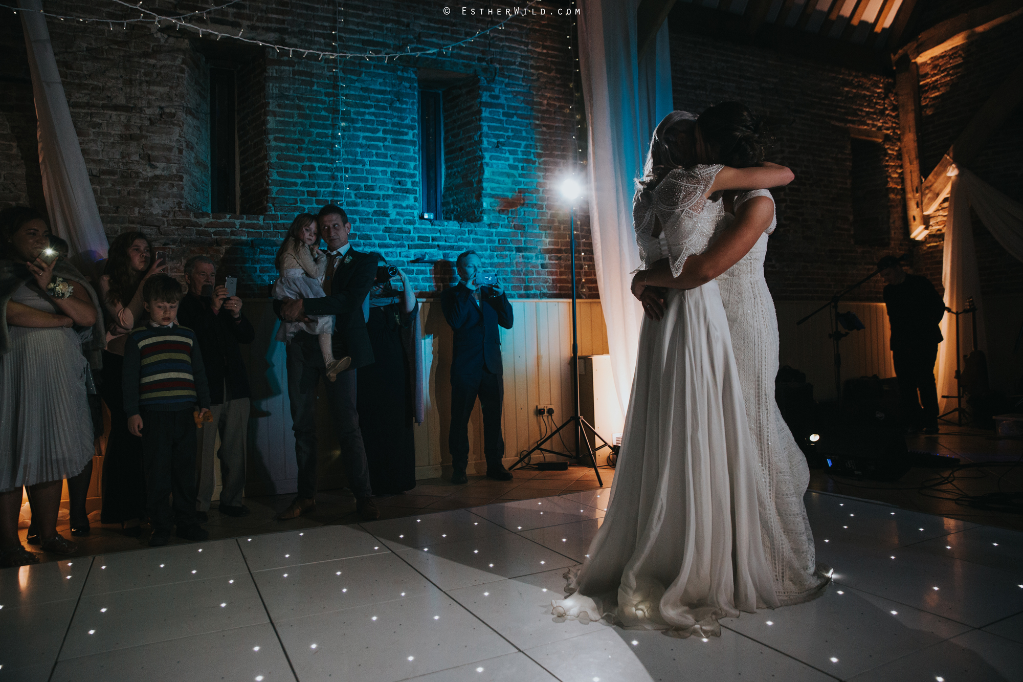Elms_Barn_Weddings_Suffolk_Photographer_Copyright_Esther_Wild_IMG_3448.jpg