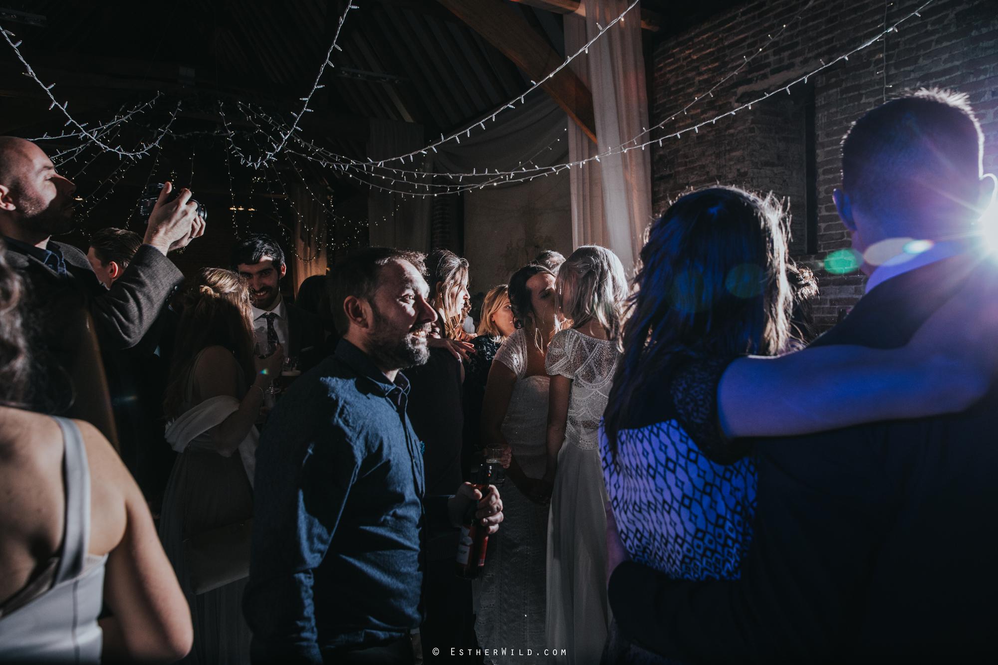 Elms_Barn_Weddings_Suffolk_Photographer_Copyright_Esther_Wild_IMG_3570.jpg