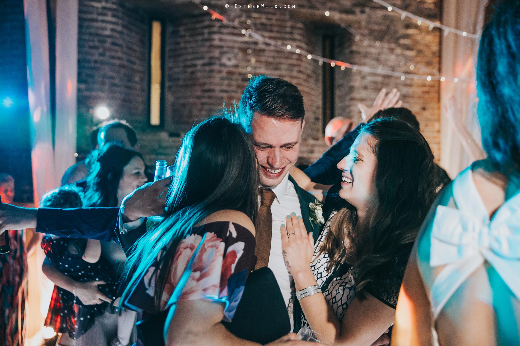 Elms_Barn_Weddings_Suffolk_Photographer_Copyright_Esther_Wild_IMG_3557.jpg