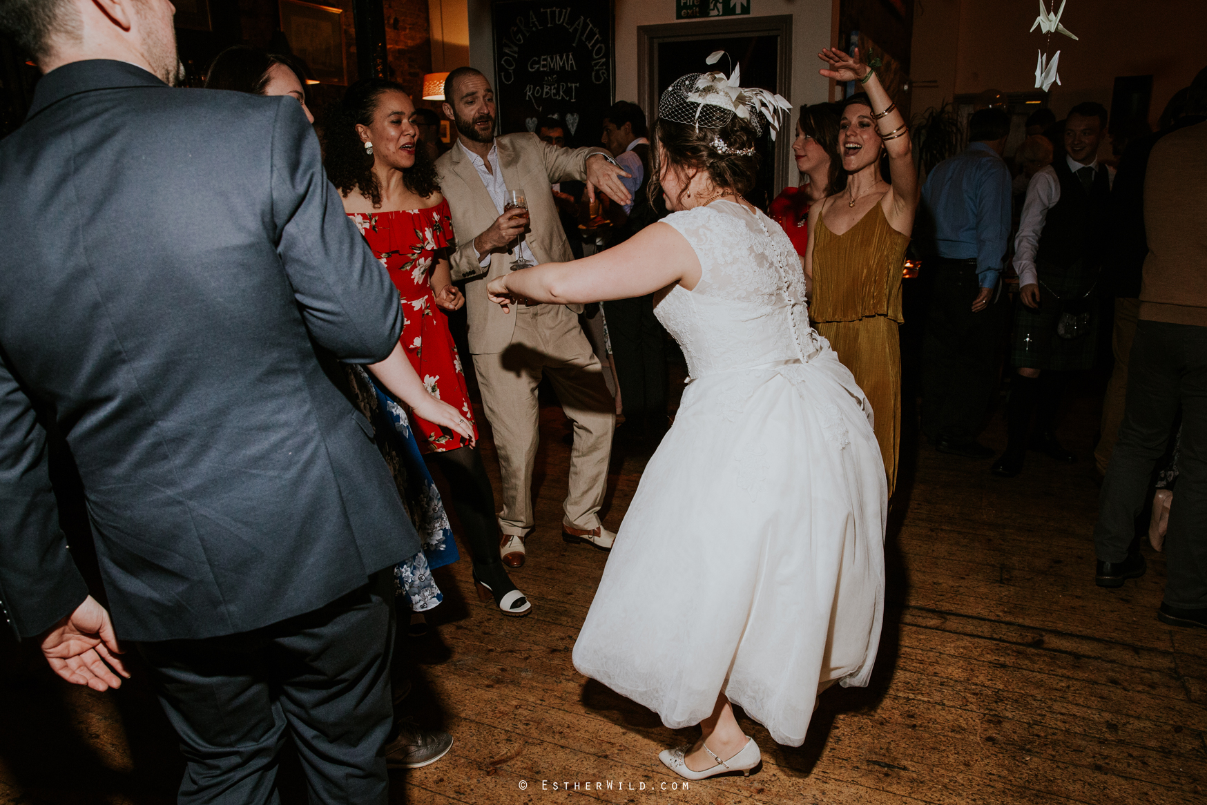 Islington_Town_Hall_Assembly_Hall_Council_Chamber_The_Star_Pub_London_Sacred_Wedding_Copyright_Esther_Wild_Photographer_IMG_2097.jpg
