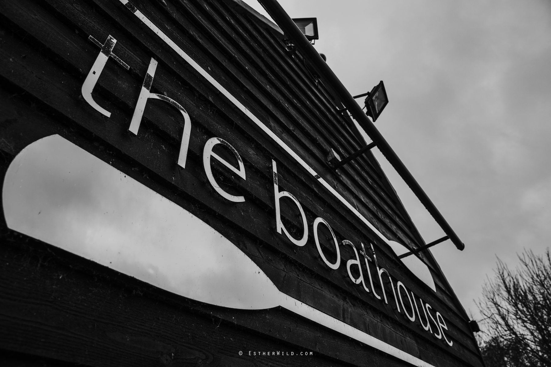 The_BoatHouse_Wedding_Venue_Ormesby_Norfolk_Broads_Boat_Wedding_Photography_Esther_Wild_Photographer_IMG_0822-2.jpg