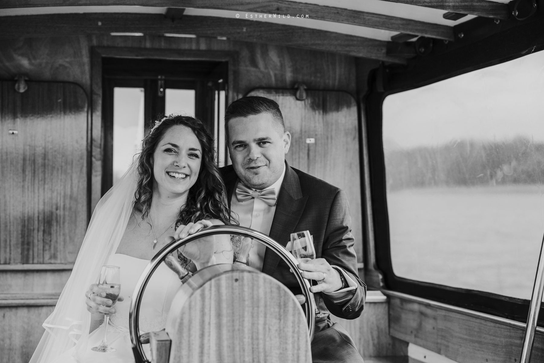 The_BoatHouse_Wedding_Venue_Ormesby_Norfolk_Broads_Boat_Wedding_Photography_Esther_Wild_Photographer_IMG_1550-2.jpg