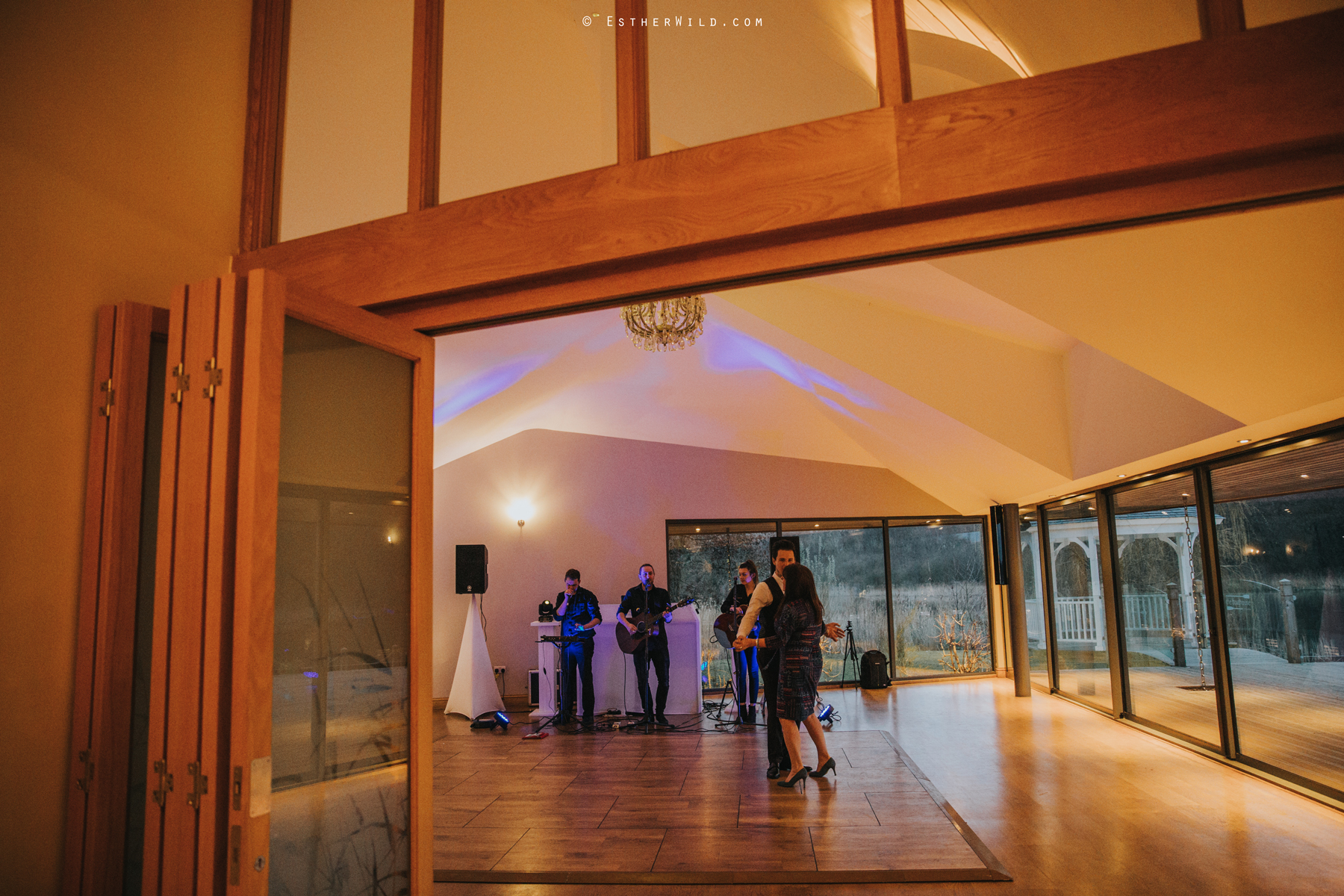 The_BoatHouse_Wedding_Venue_Ormesby_Norfolk_Broads_Boat_Wedding_Photography_Esther_Wild_Photographer_IMG_3357.jpg