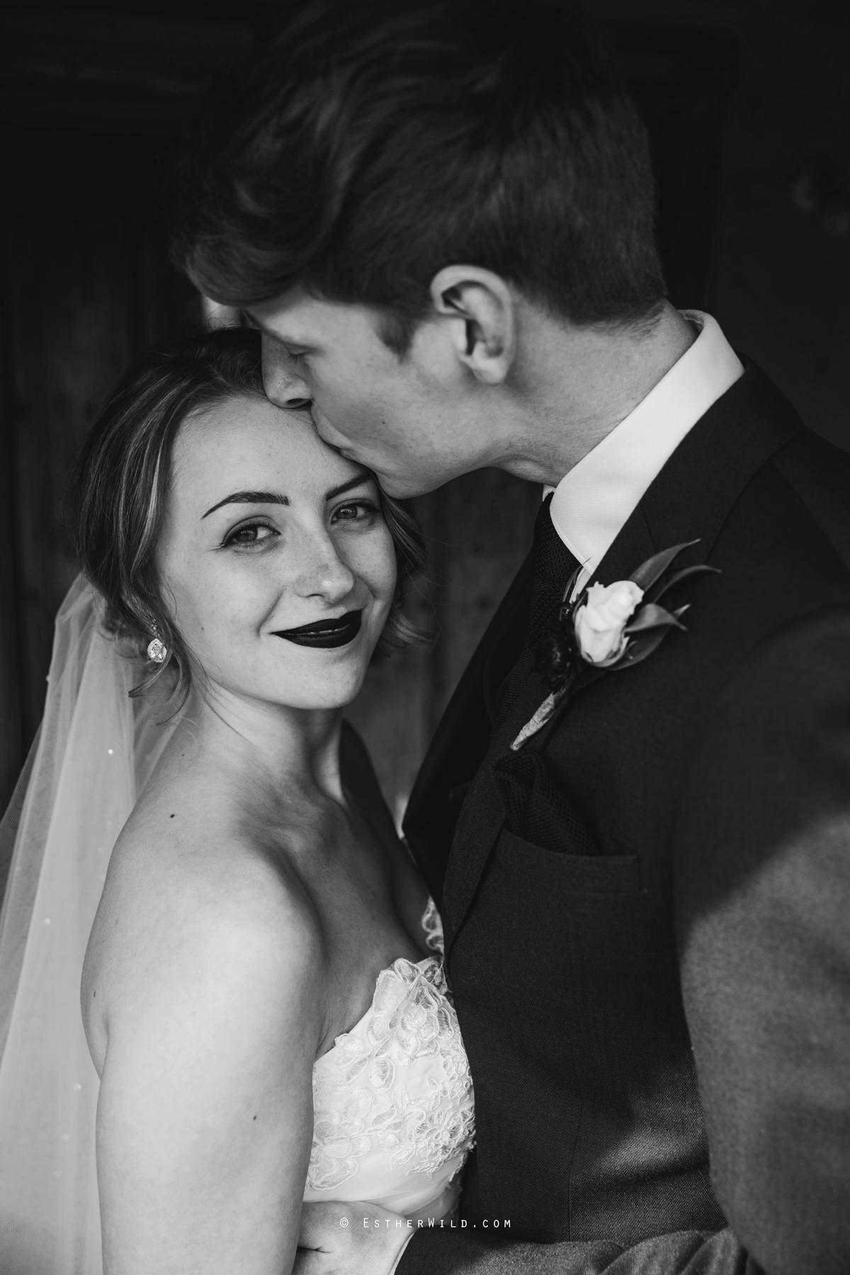 Glebe_Farm_Barn_Rustic_Norfolk_Wedding_Esther_Wild_Photographer_Copyright_IMG_1604.jpg