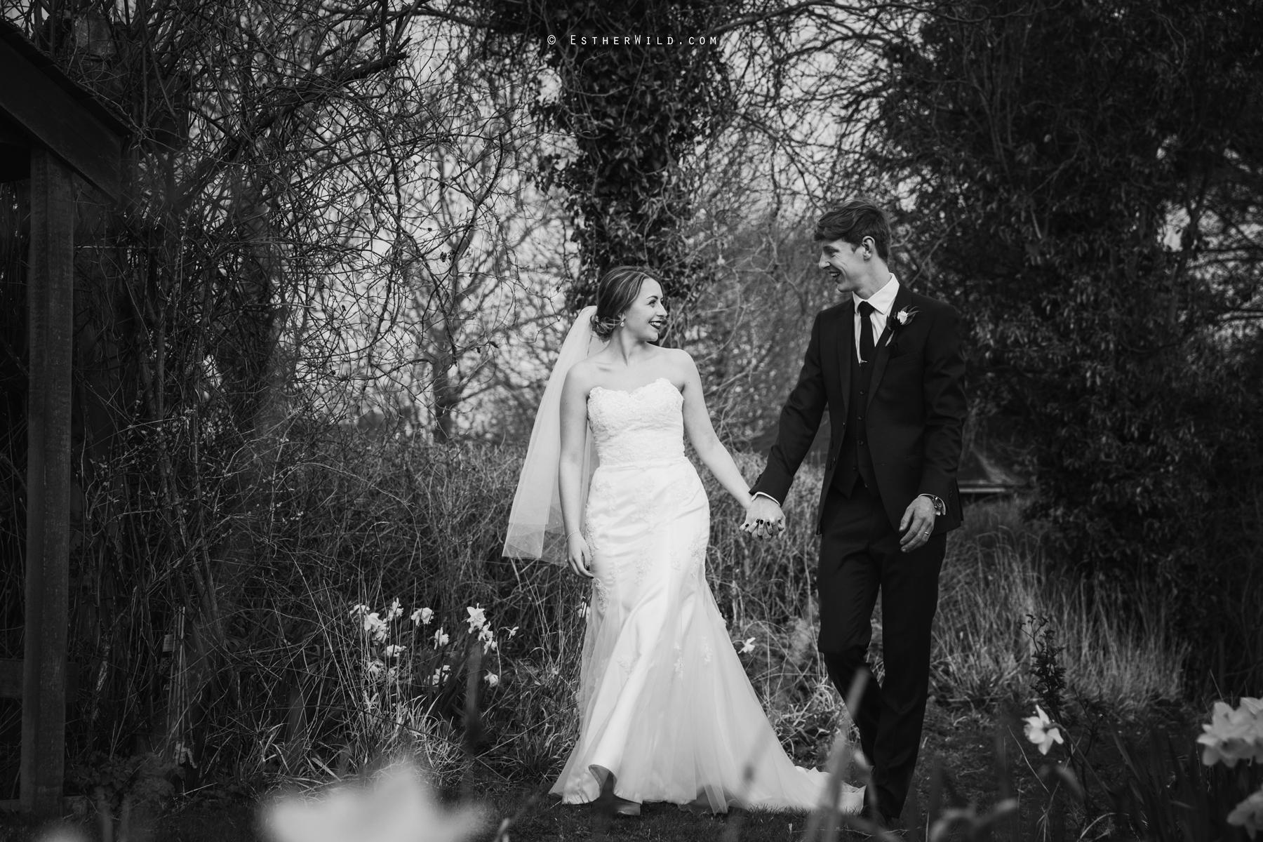Glebe_Farm_Barn_Rustic_Norfolk_Wedding_Esther_Wild_Photographer_Copyright_IMG_1649-1.jpg